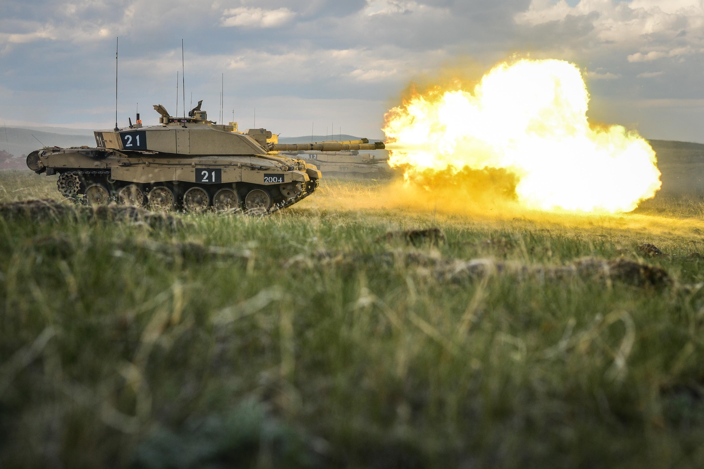 fadde818aeef File Challenger 2 Tank Firing at BATUS MOD 45157783.jpg - Wikimedia ...