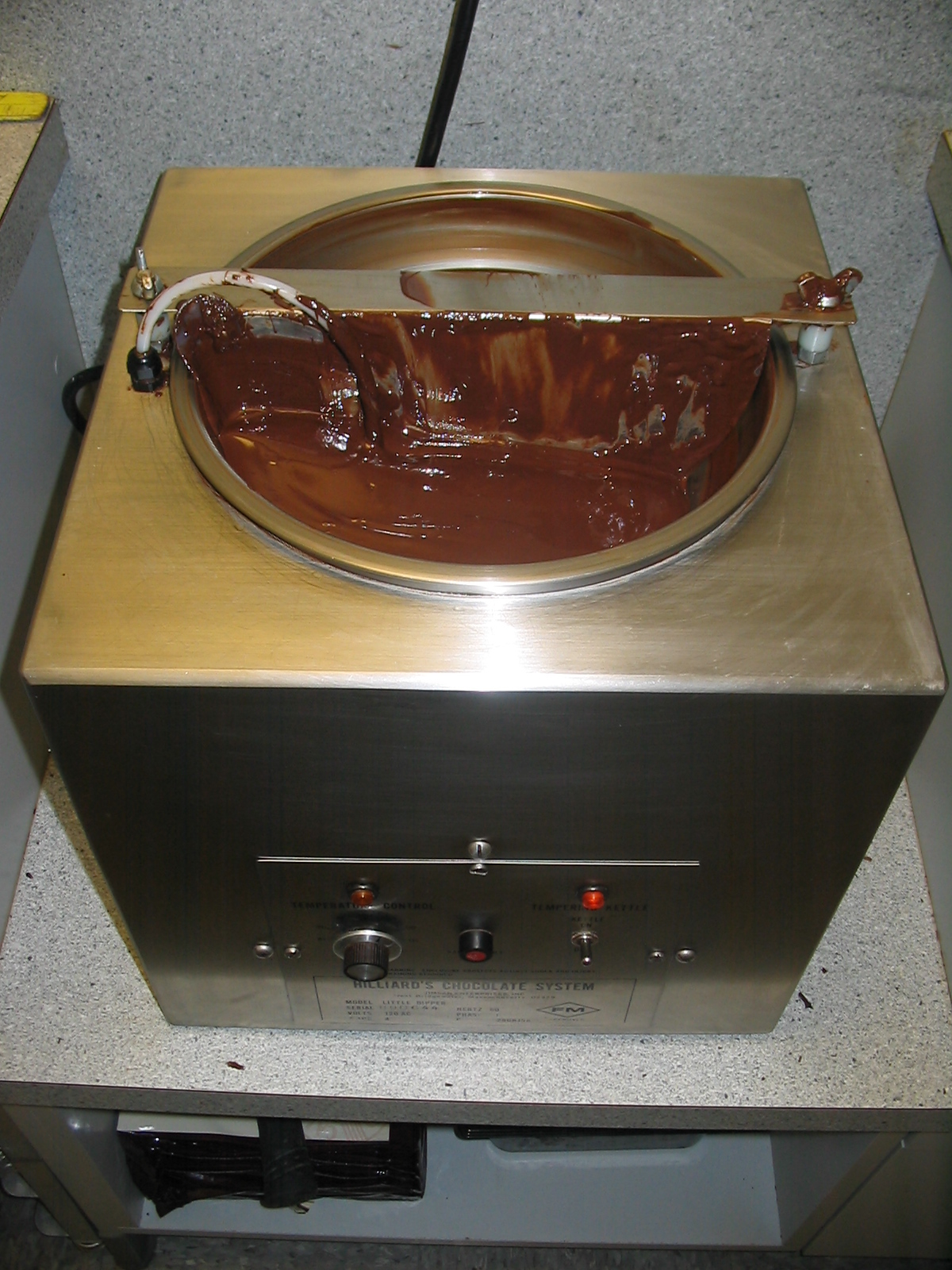 File:Chocolate Tempering Machine.jpg - Wikimedia Commons