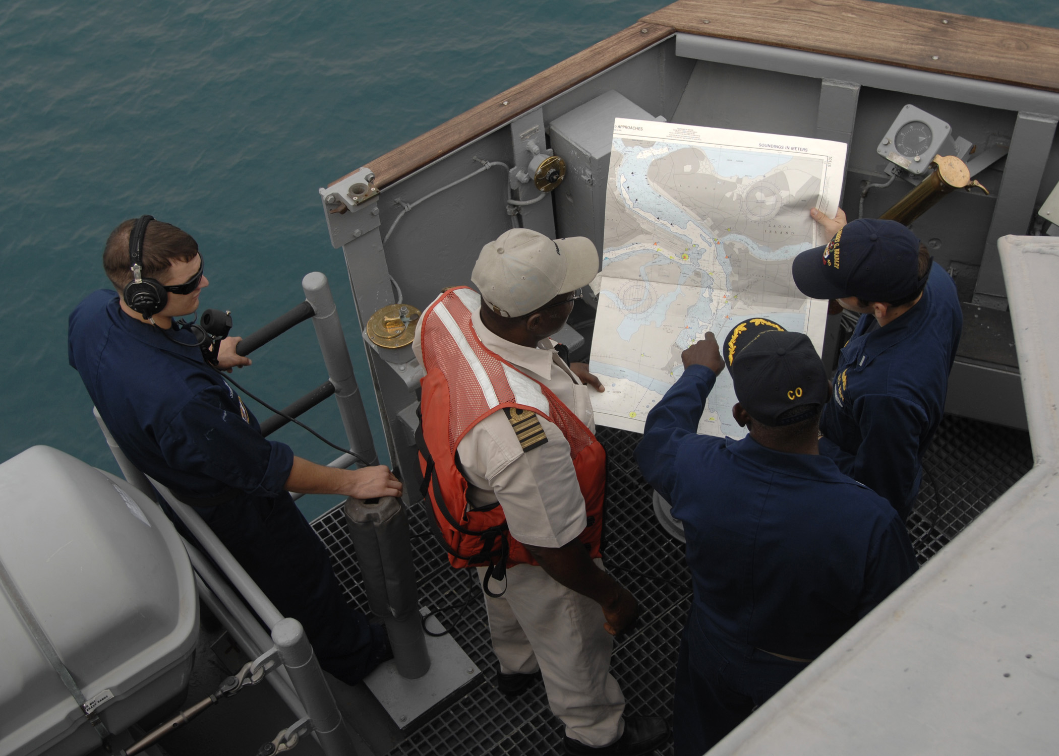 Maritime pilot - Wikipedia