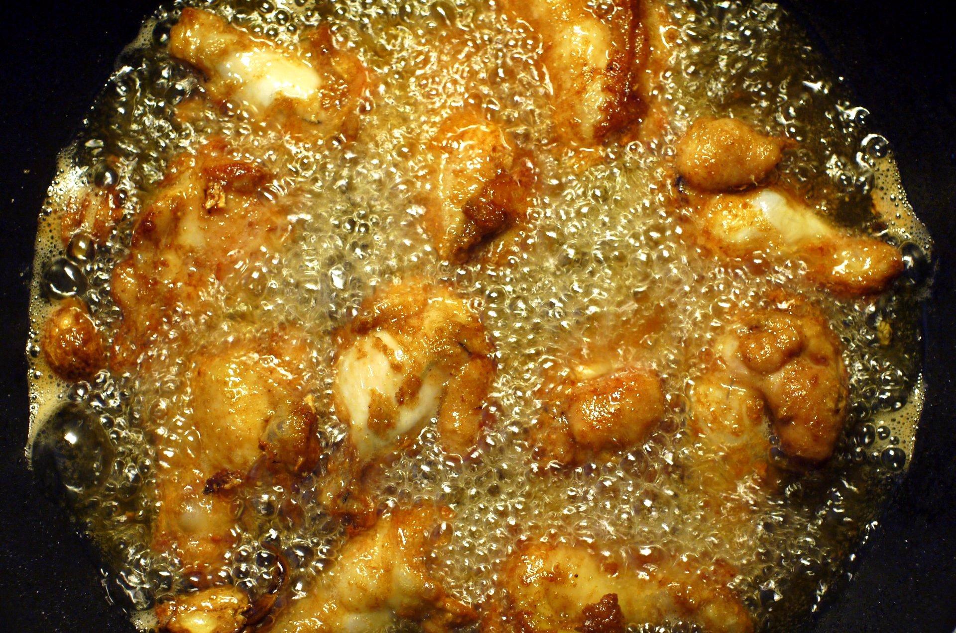 File:Deep frying chicken upper wing.JPG - Wikipedia, the free ...