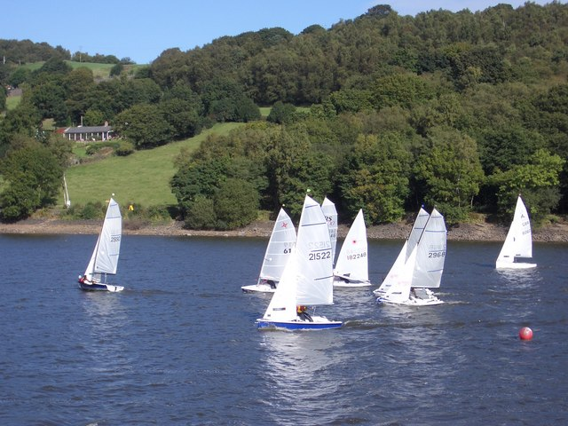 Dinghy Racing on Rudyard Lake - geograph.org.uk - 618620