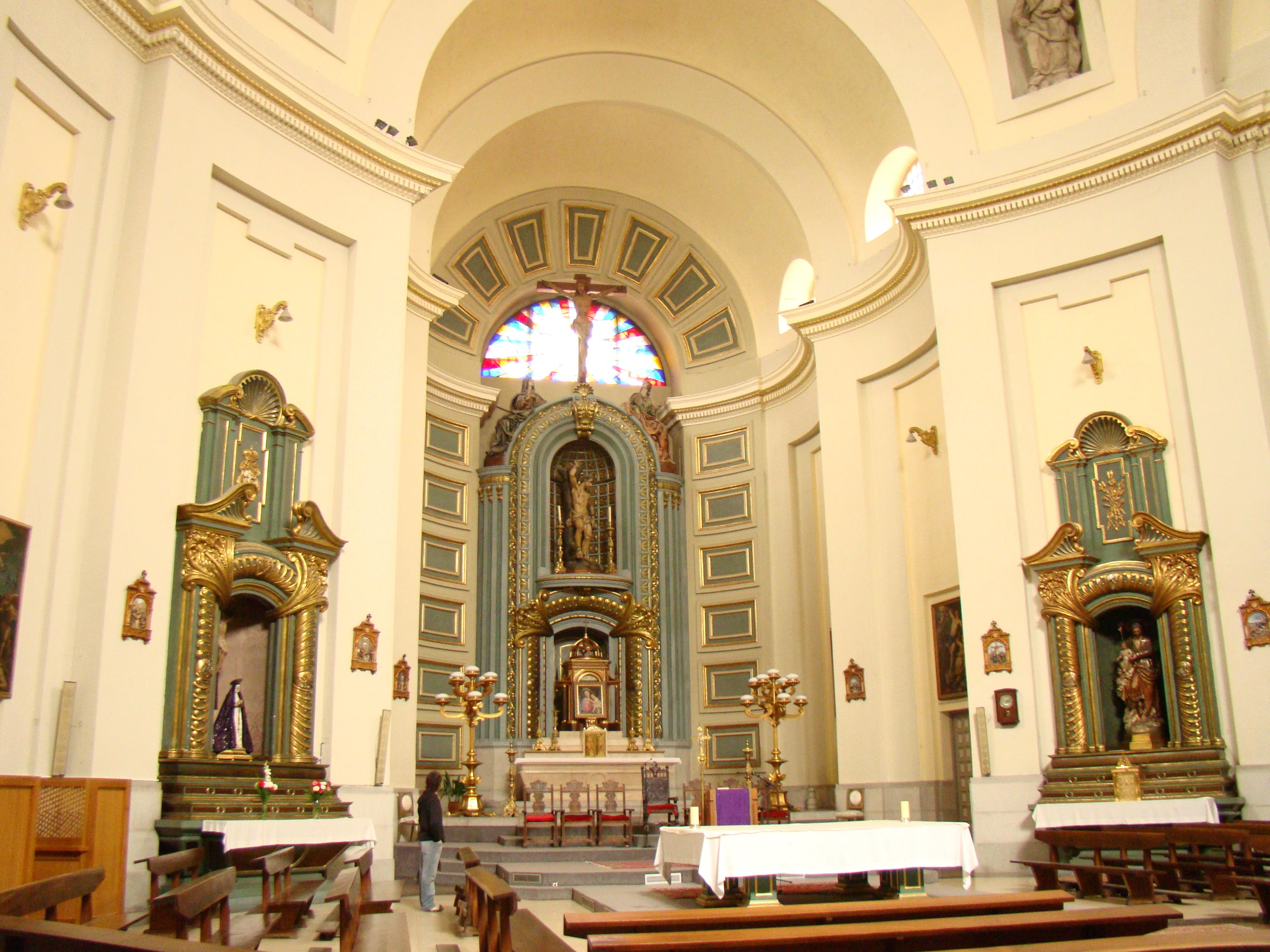 external image Espa%C3%B1a_-_Madrid_-_Iglesia_Parroquial_de_San_Sebasti%C3%A1n_-_Interior.JPG