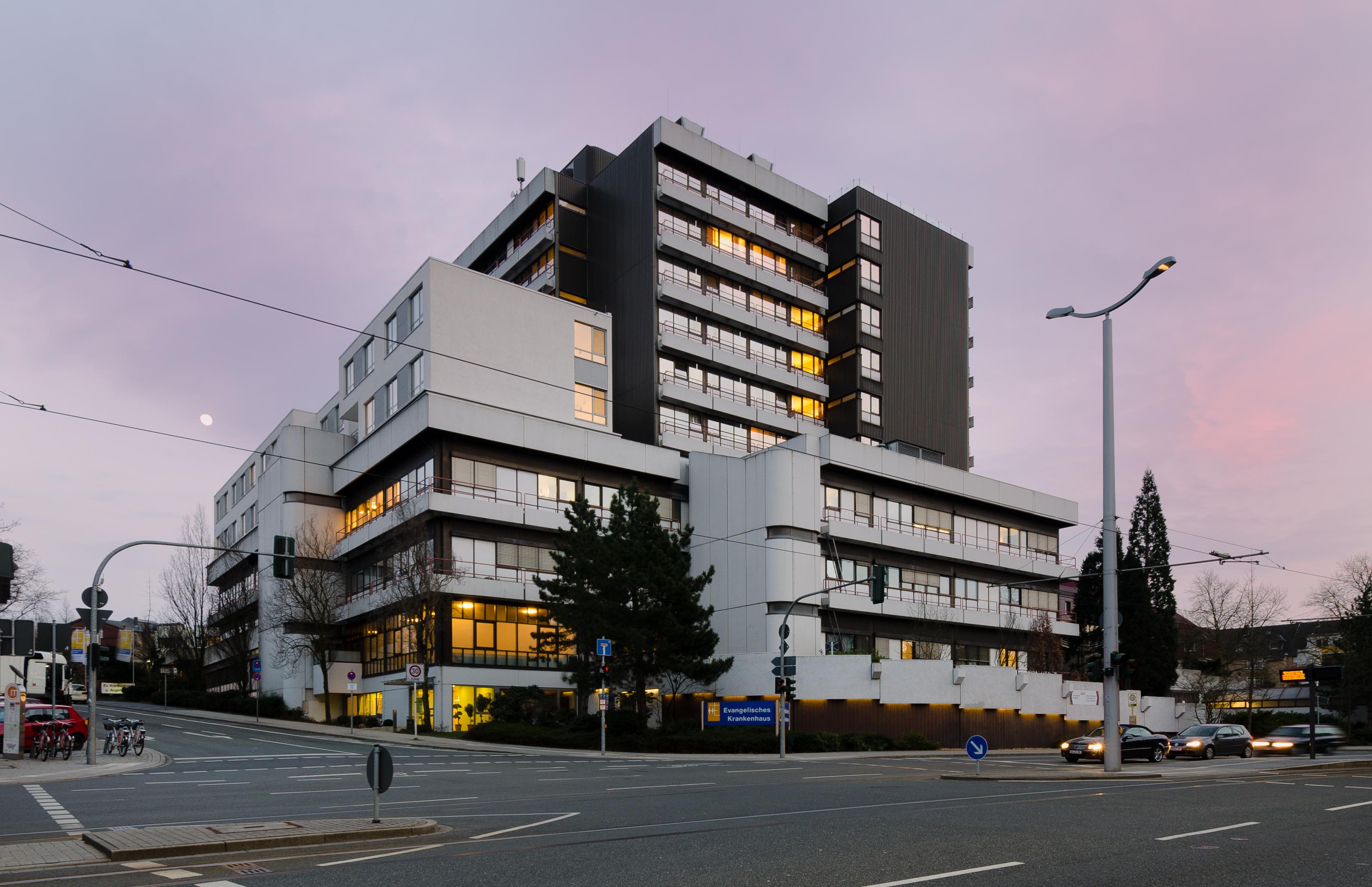 Dateievangelisches Krankenhaus Muelheim Abends 2013jpg Wikipedia