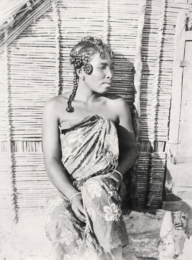 File Femme Sakalave 1900 1910 Jpg Wikimedia Commons