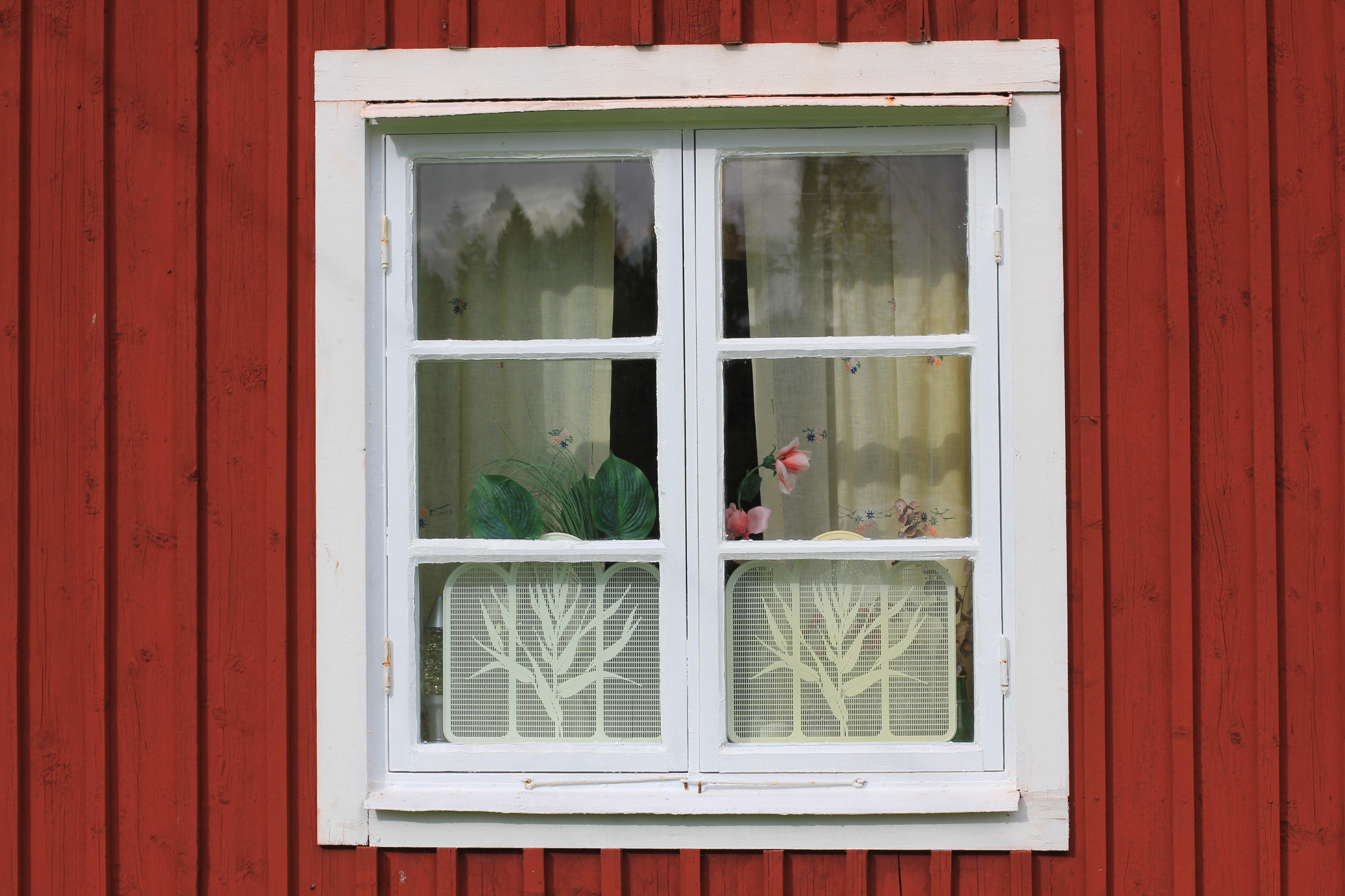 Välkända File:Gammelt vindu på ei stue malt i Falu Rödfärg.JPG - Wikimedia KR-09