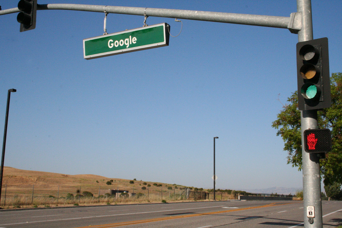 FileGoogle street sign Mountain view traffic light.JPG & File:Google street sign Mountain view traffic light.JPG ... azcodes.com