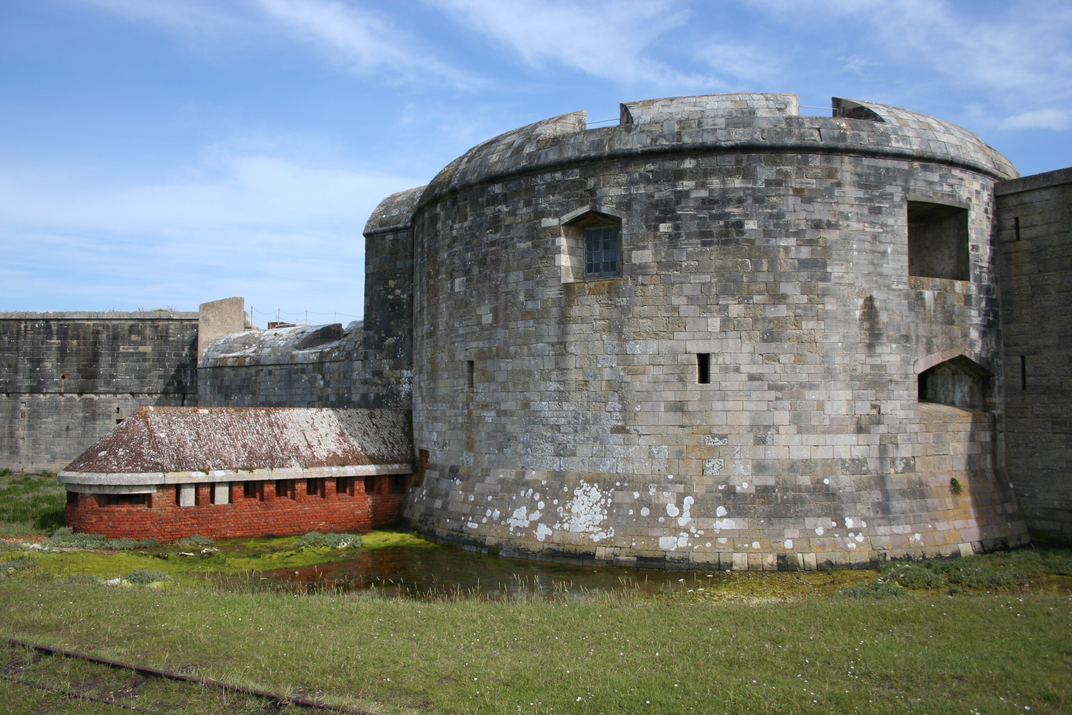 File:Hurst Castle west bastion 2.jpg - Wikipedia, the free ...