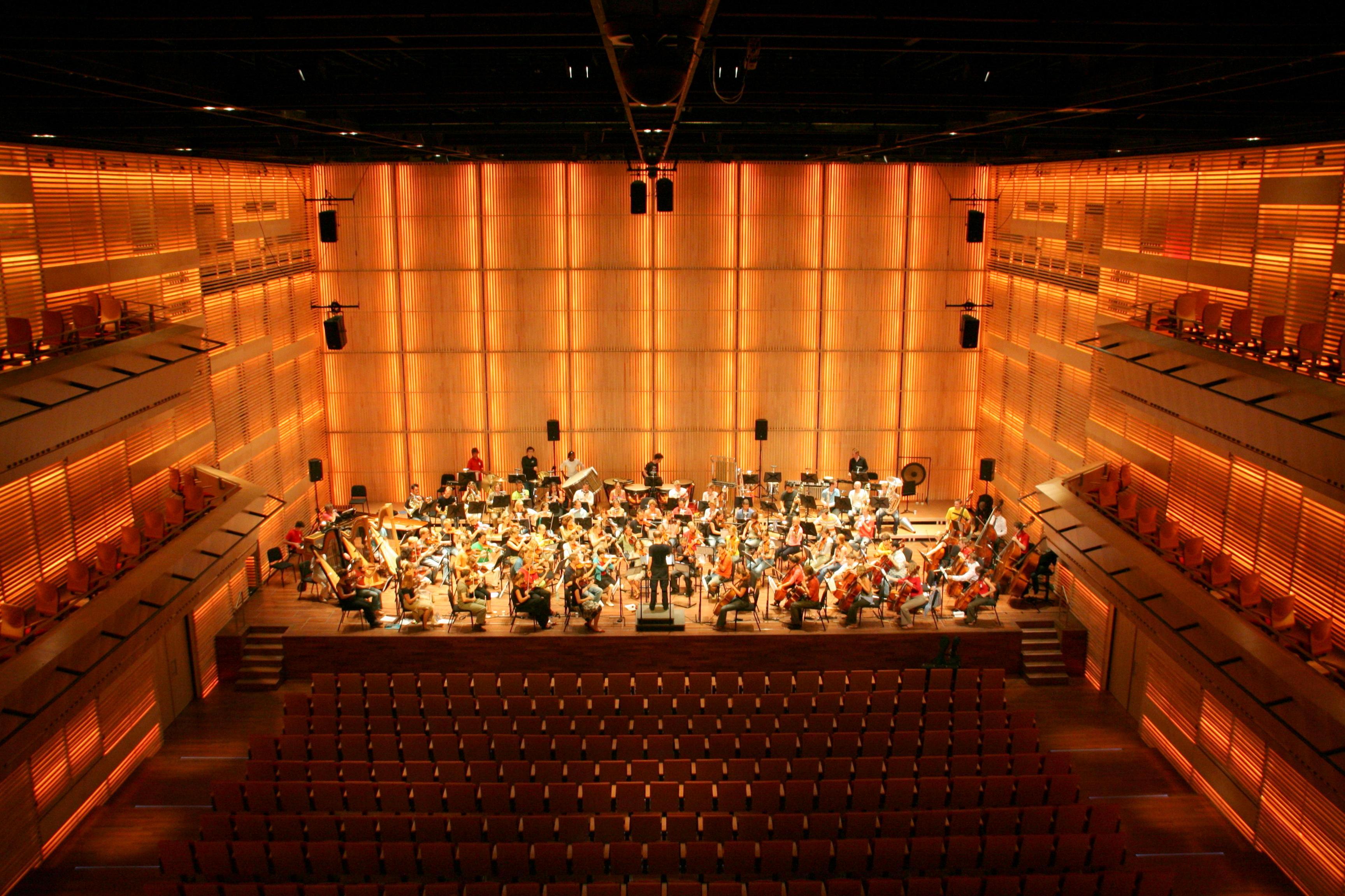 File interieur grote zaal muziekgebouw aan 39 t for Interieur wikipedia