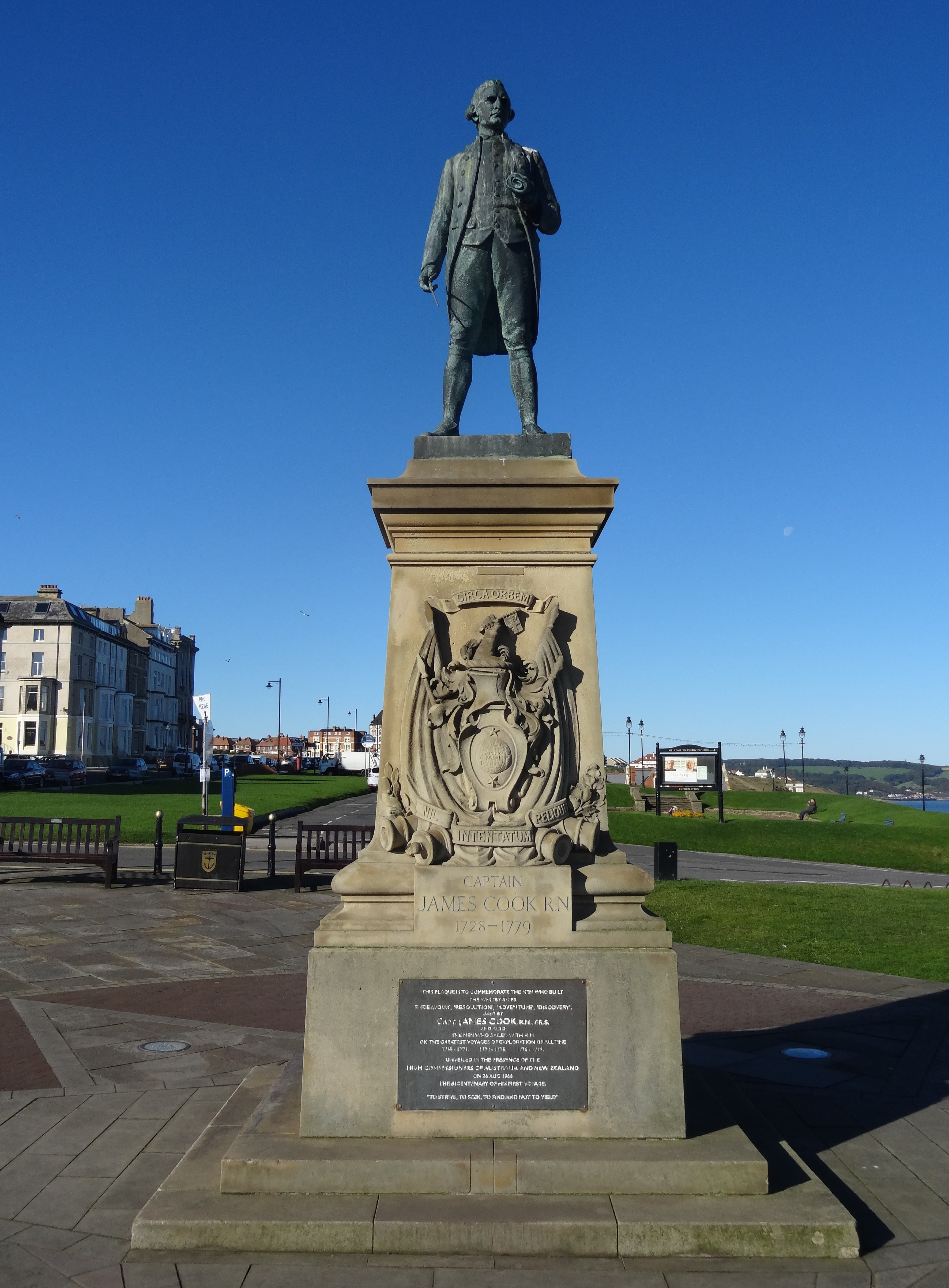 filejames cook statue whitbyjpg wikimedia commons