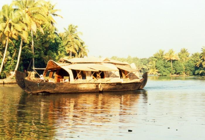 boat house kerala. KeralaHouseBoat.