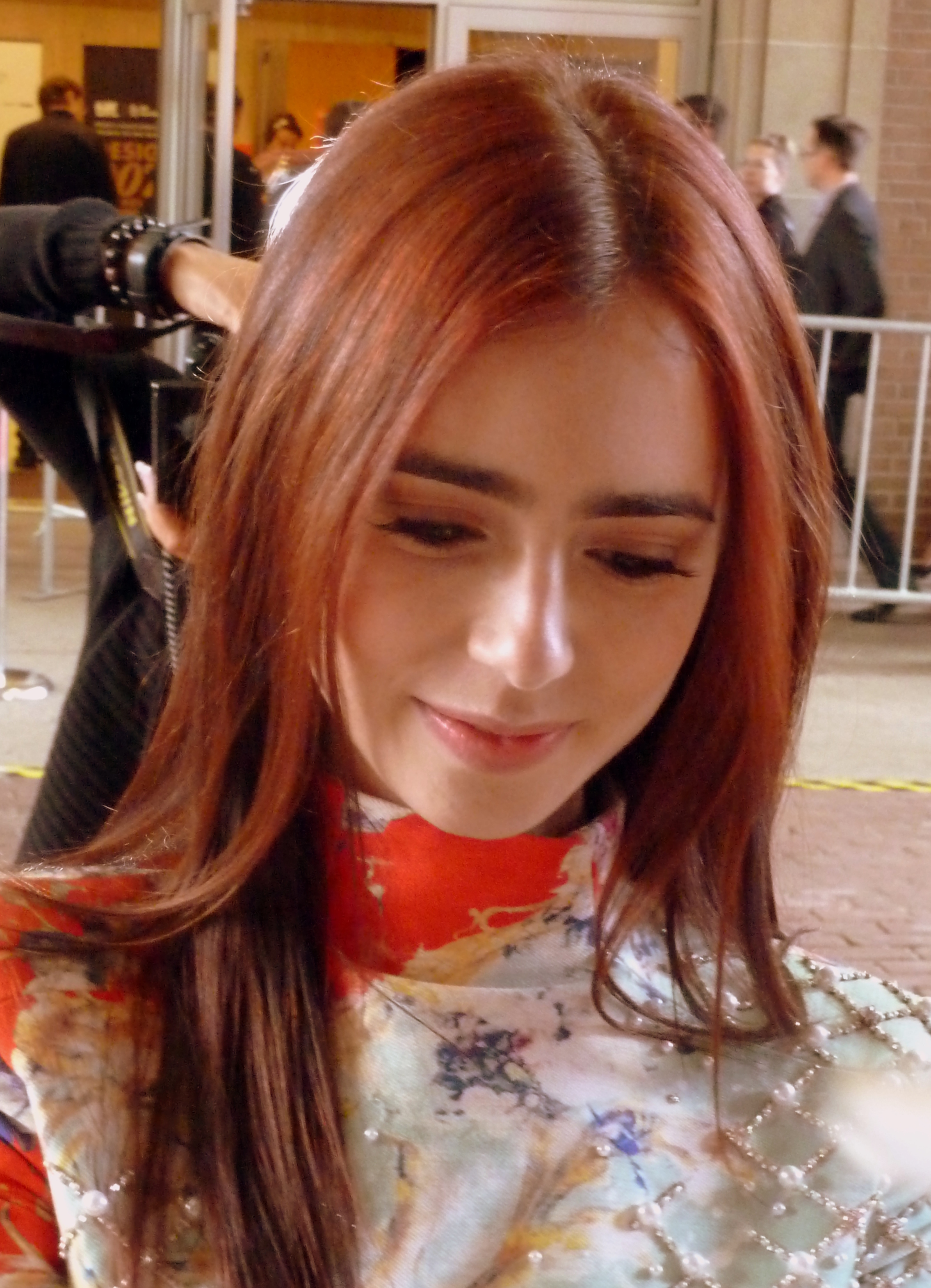 File Lily Collins Tiff 3 2012 Jpg Wikimedia Commons