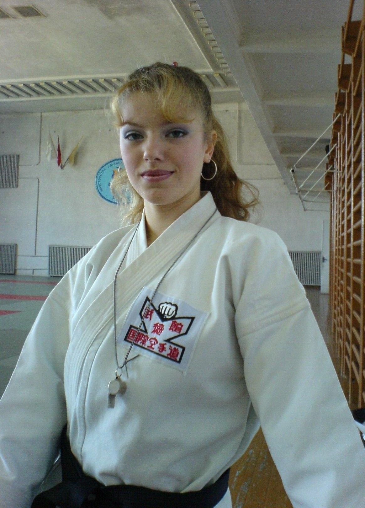 http://upload.wikimedia.org/wikipedia/commons/1/17/Liudmila_Andreevna_VEDERNIKOVA.jpg