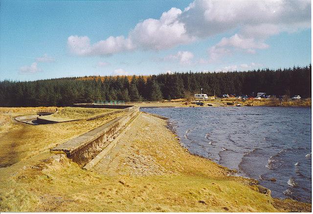 Loch Glow Dam - geograph.org.uk - 163025