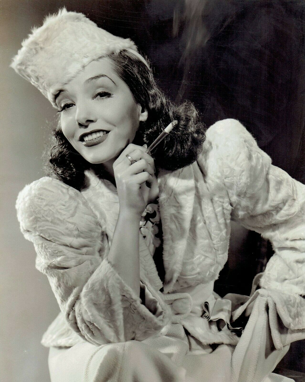 Vélez in a publicity photo for [[RKO Pictures|RKO]] in 1941