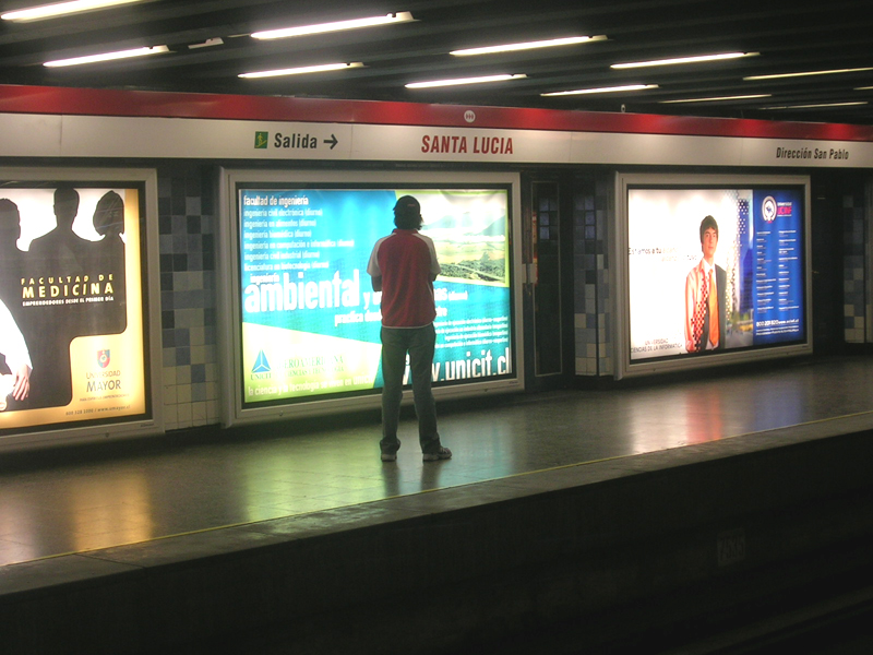 Santa luc a estaci n del metro de santiago wikipedia la enciclopedia libre - Oficinas santa lucia madrid ...