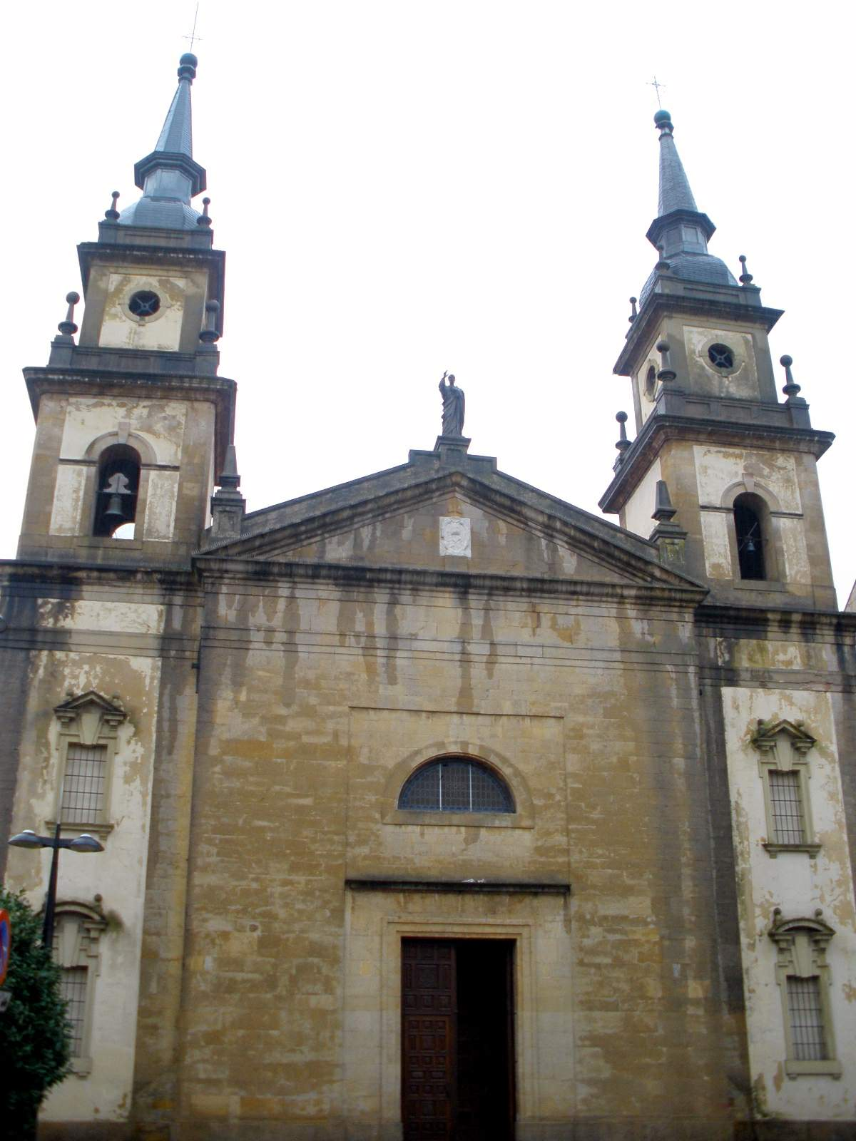 Iglesia de san pedro pola de siero wikipedia la - El tiempo en siero asturias ...