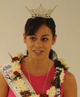 Miss Hawaii 2009 Raeceen Woolford makes a few ...