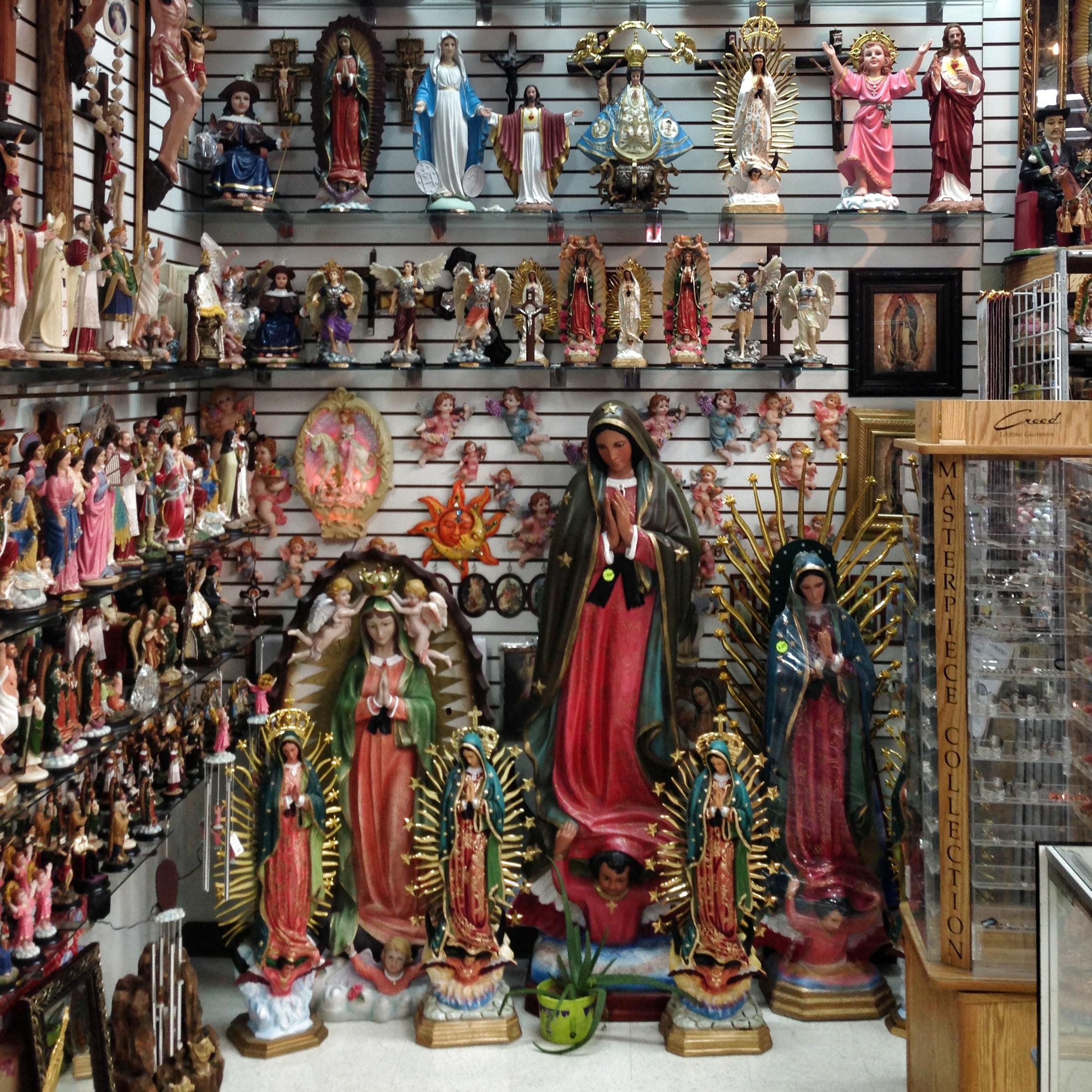 File Religious Statuary Store In Plaza Fiesta Dekalb