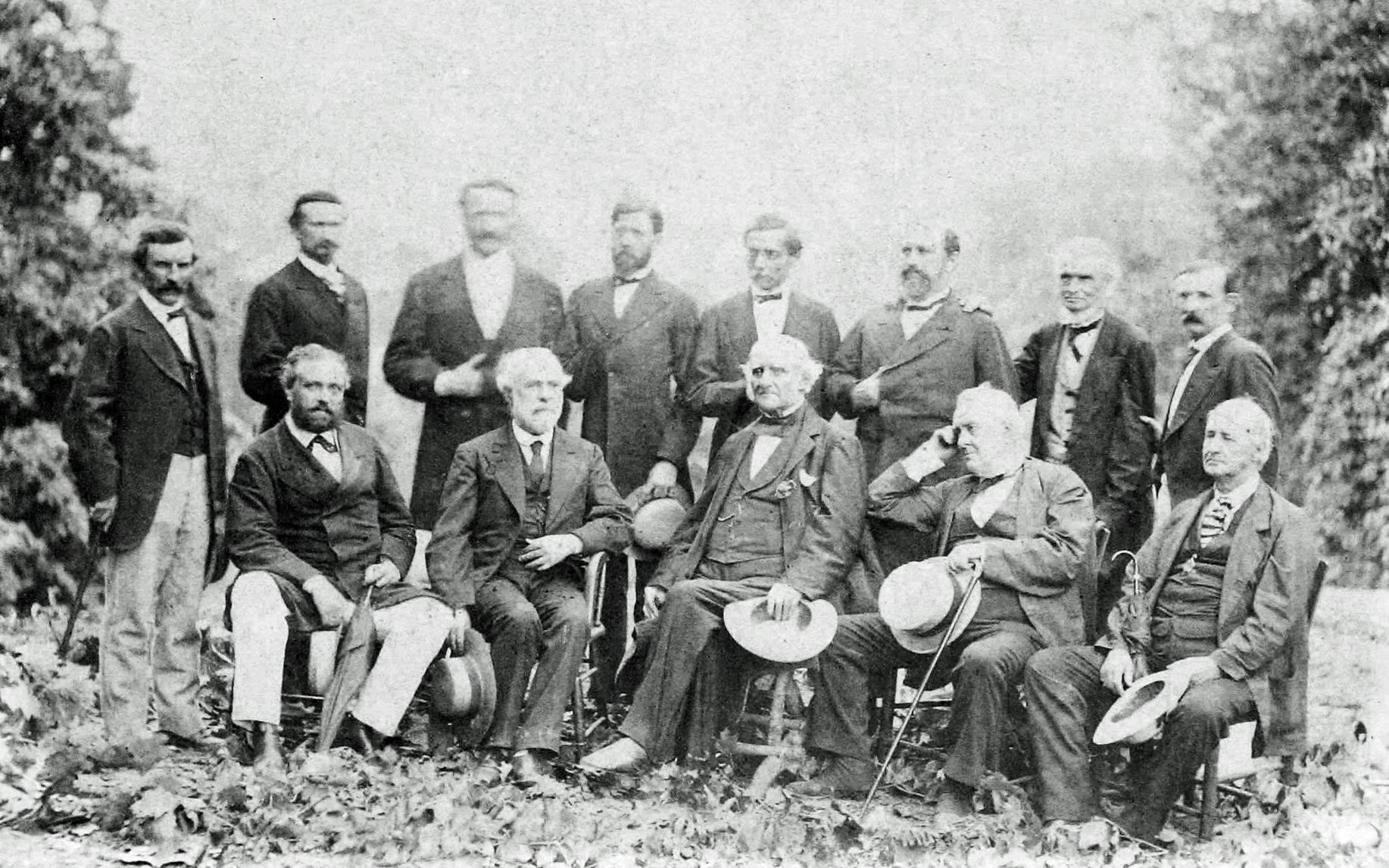 General Lee : a biography of Robert E. Lee