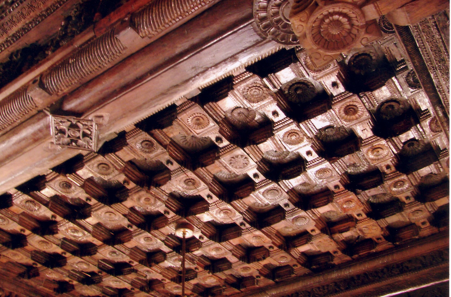 http://upload.wikimedia.org/wikipedia/commons/1/17/Rosewood_ceiling_at_Rameshwara_Temple_in_Keladi.jpg