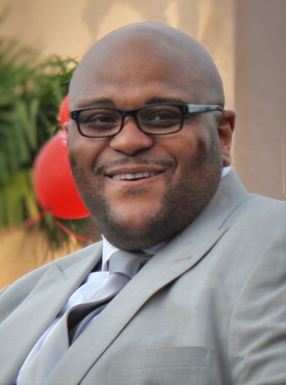 The 40-year old son of father (?) and mother(?) Ruben Studdard in 2018 photo. Ruben Studdard earned a  million dollar salary - leaving the net worth at 3 million in 2018