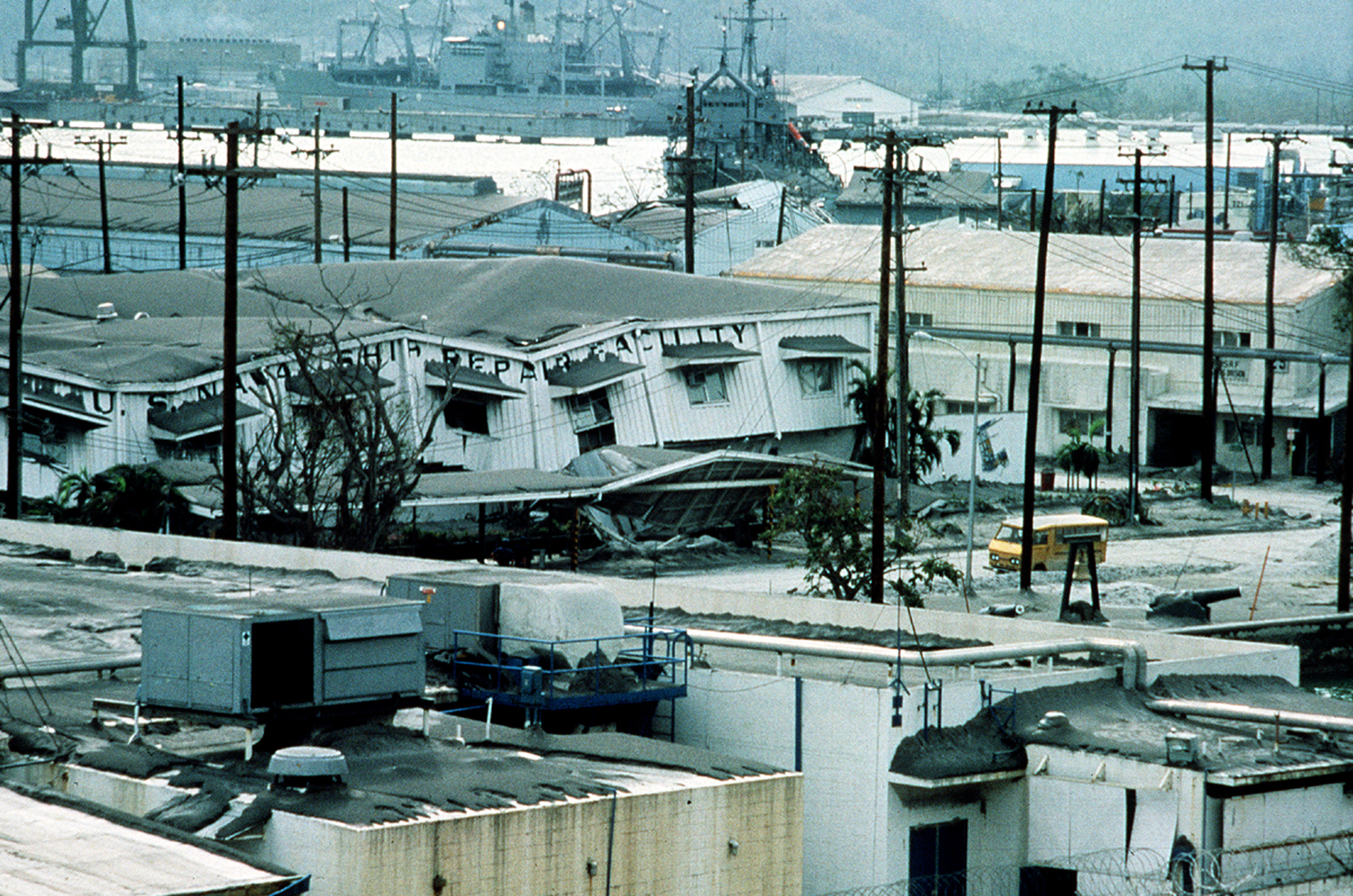 Description SRF Subic Bay and USS Brunswick June 1991.jpg
