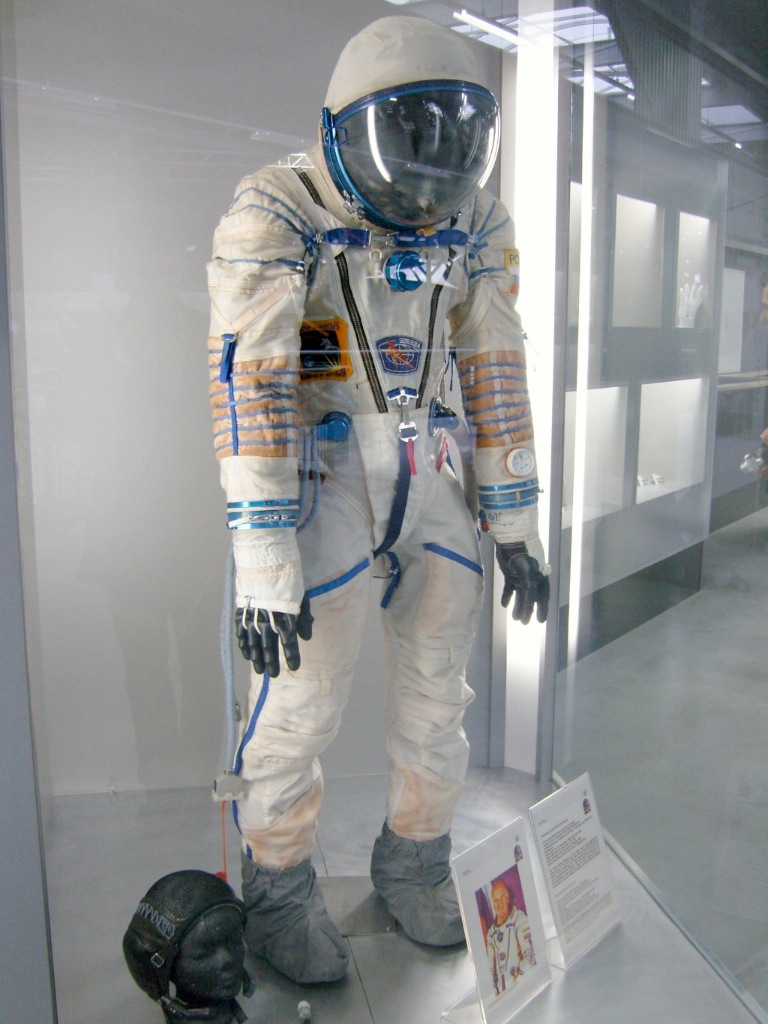 Sokol space suit - Wikipedia