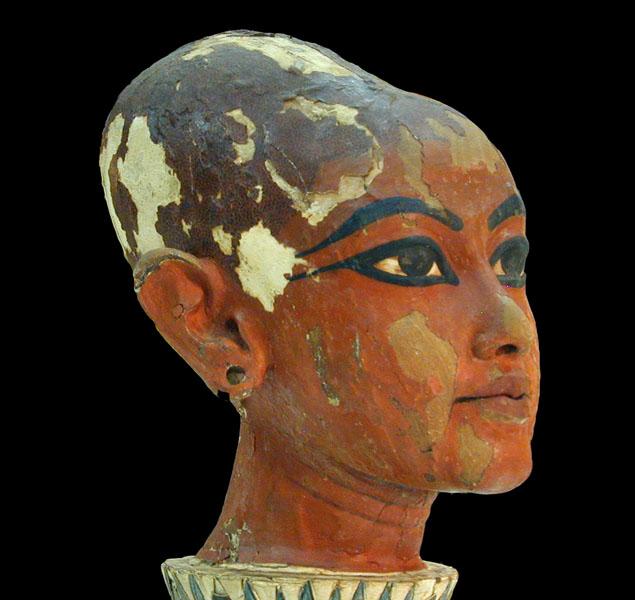 Tutankhamun - Nebkheperure (XVIIIª Dinastia) T%C3%AAte_de_Tout%C3%A2nkhamon_enfant_-_2_%28mus%C3%A9e_du_Caire_Egypte%29