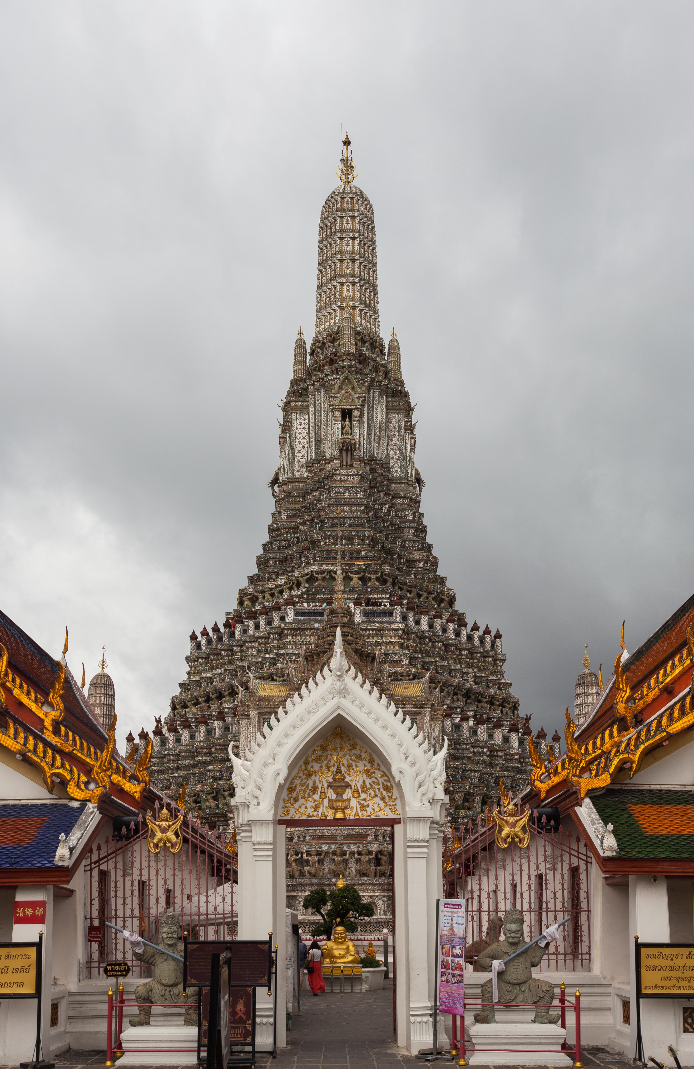 Angkor Wat Travel Guide - Nomadic Matt's Travel Site