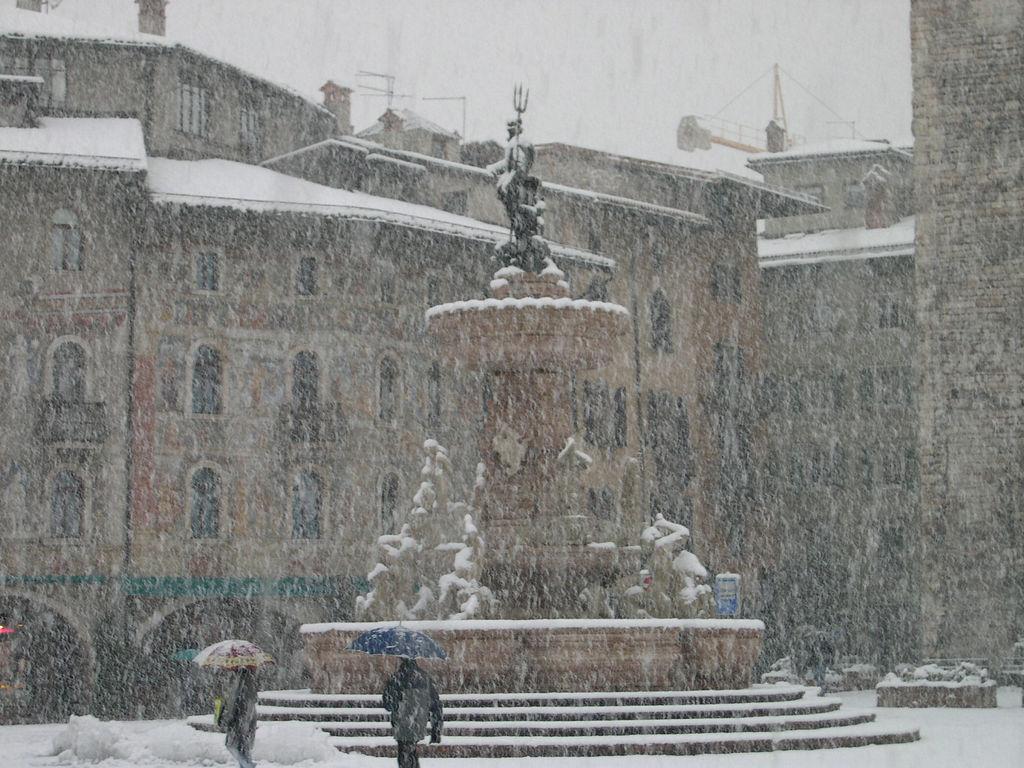 Piazza Duono (Trento) sotto la neve