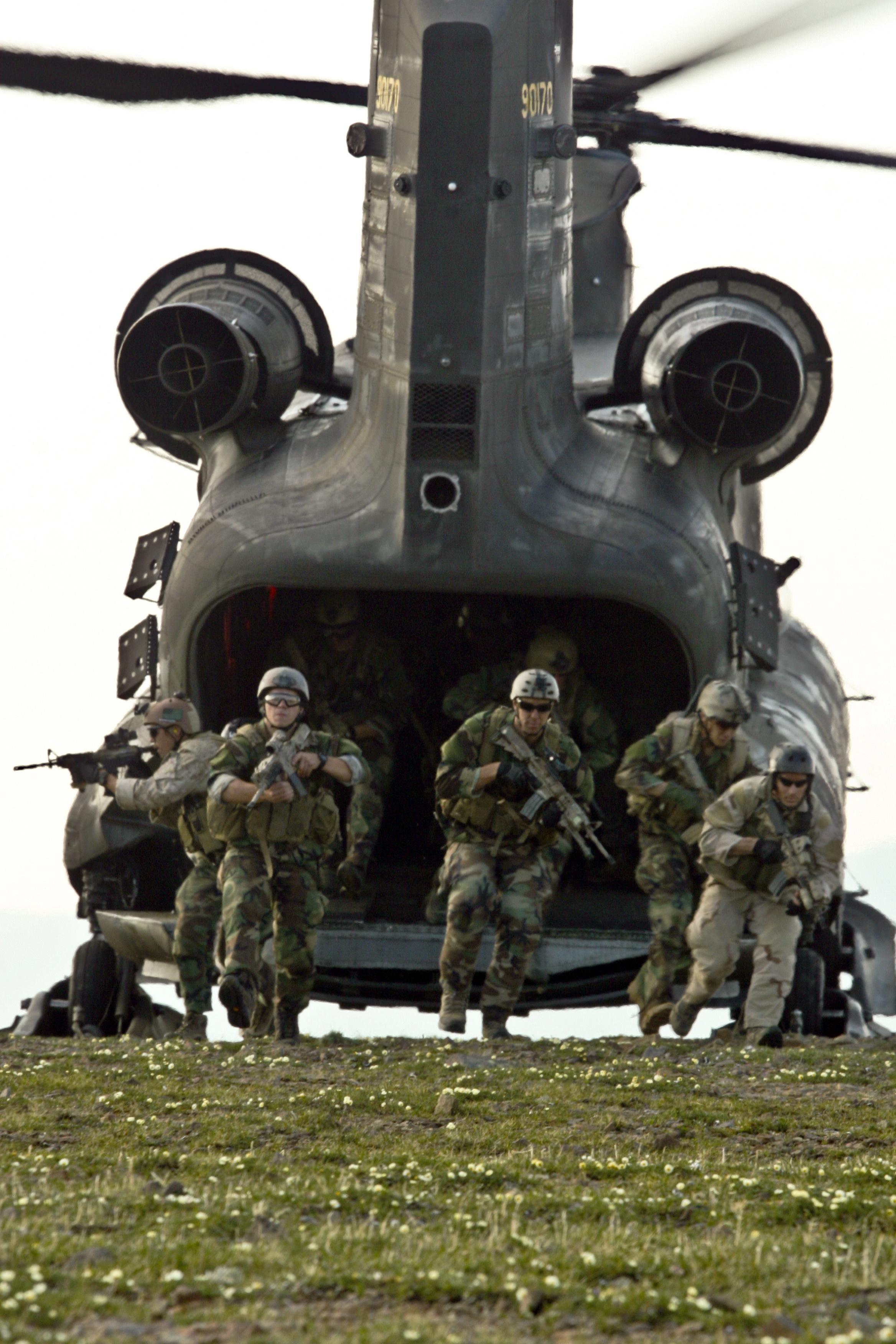 File:US Navy 090615-M-0474R-003 Members of a West Coast
