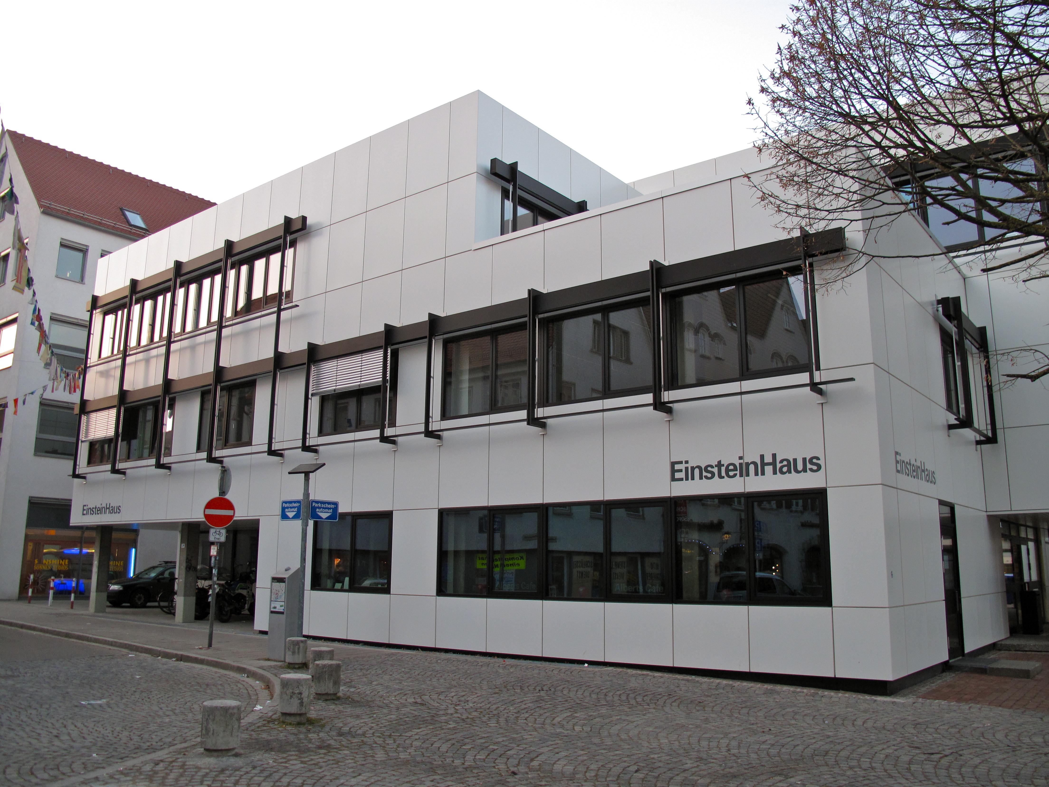 File:Ulmer Volkshochschule EinsteinHaus am Kornhausplatz.jpg ...