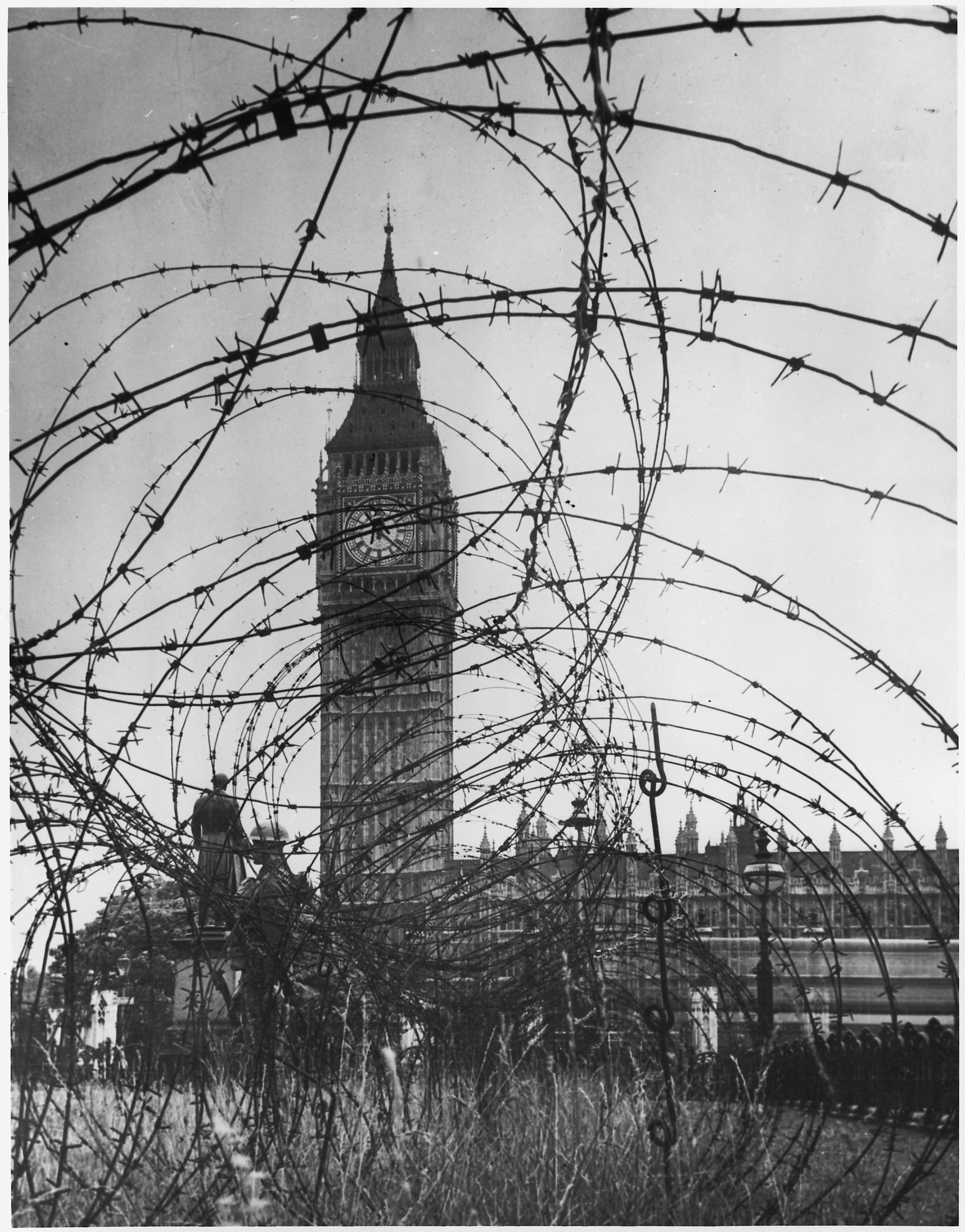 File wwii europe london england quot big ben with barbed