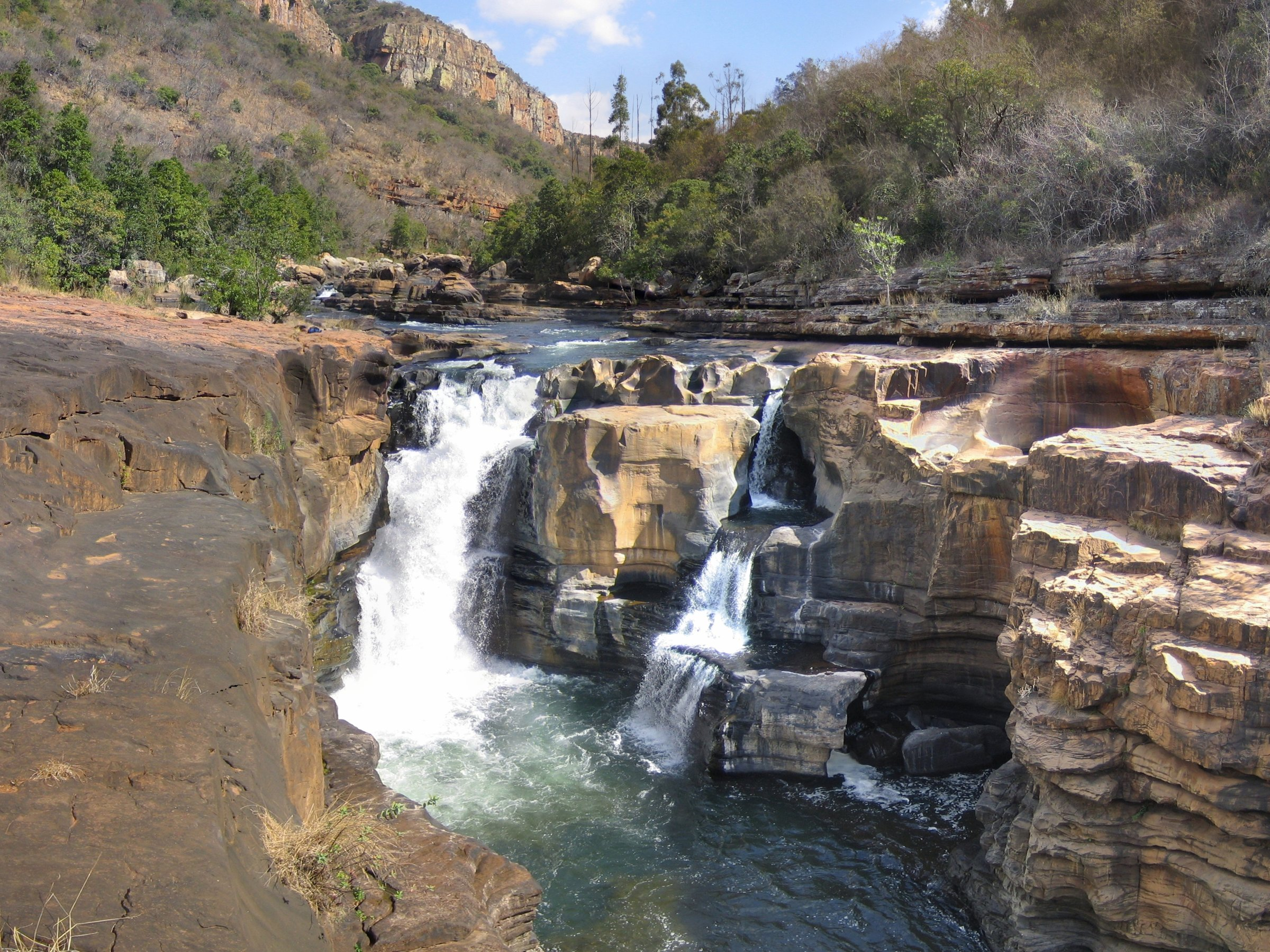 Kanjon reke Blajda ( Blyde) Waterfall_in_Blyde_River_Canyon