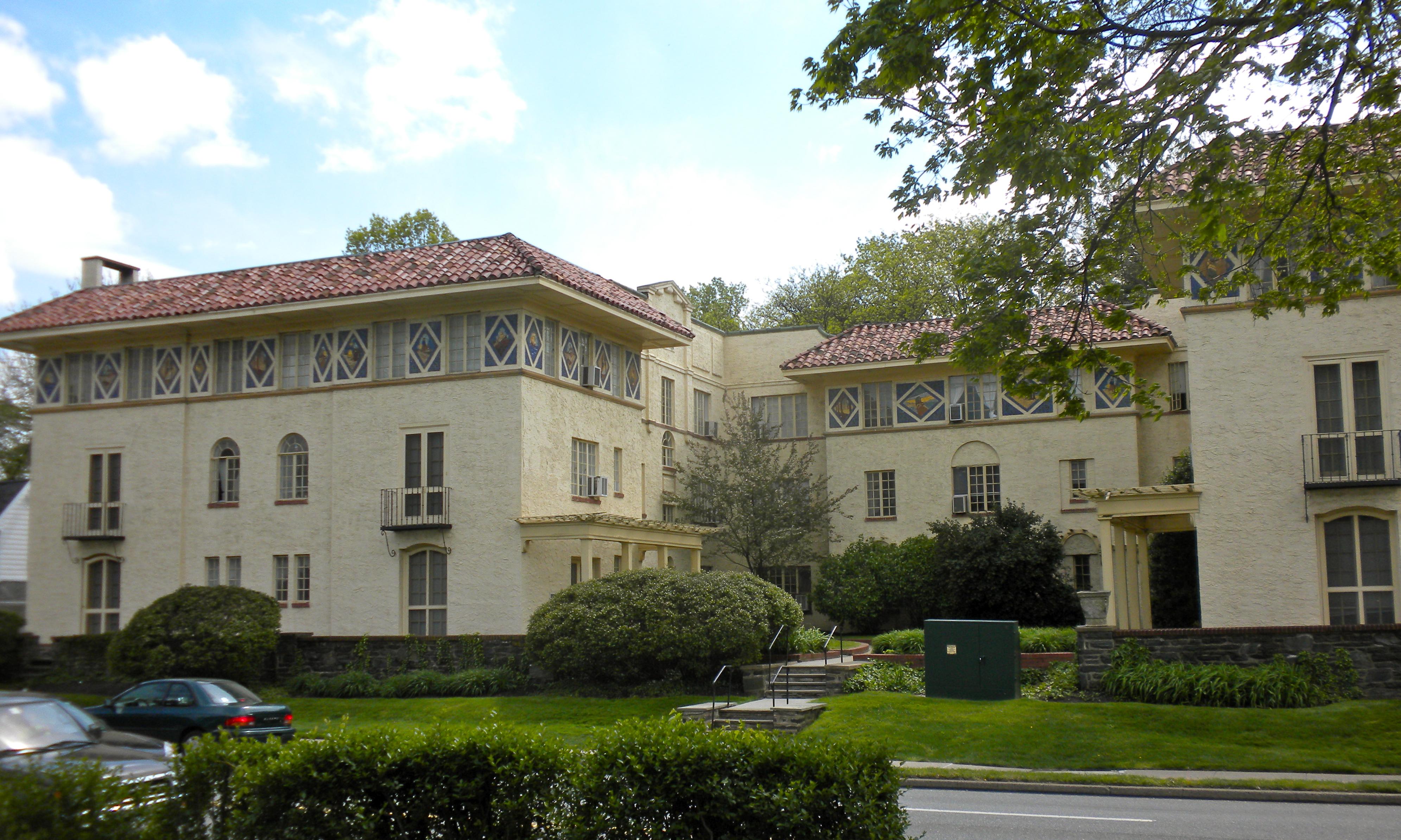 File:Whitehall PA apartments NRHP.jpg - Wikipedia, the free ...