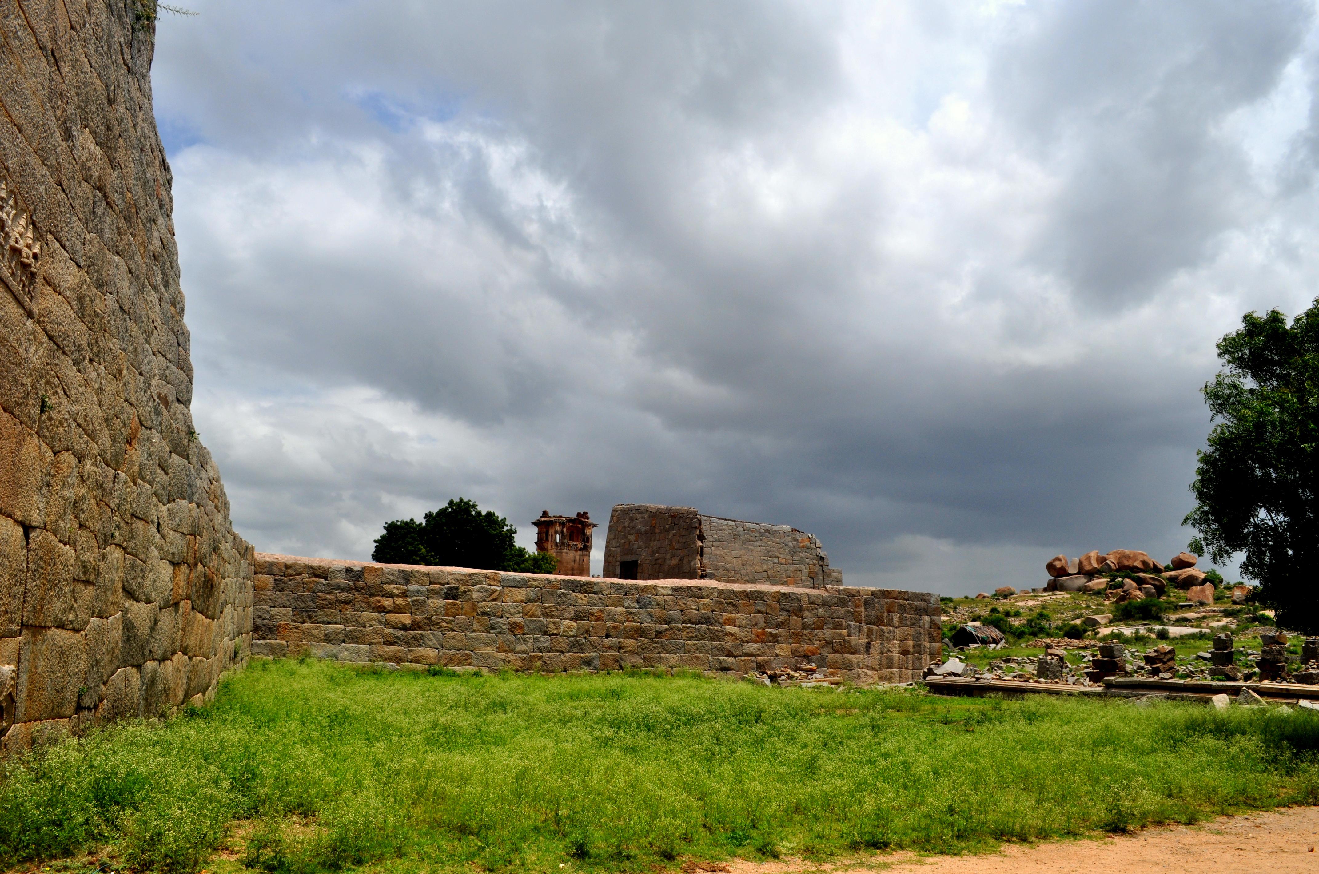 Zanana Enclosure