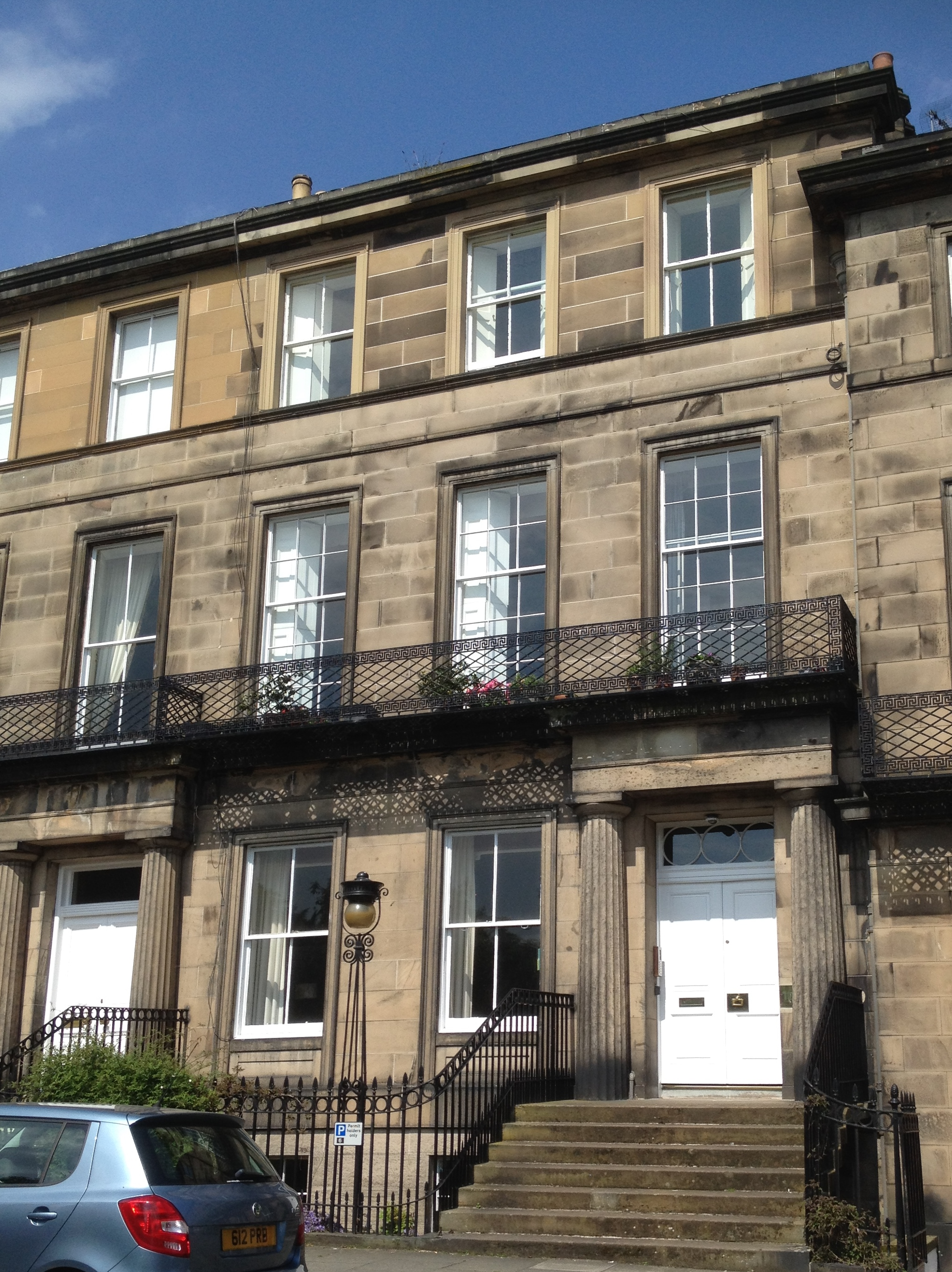 File 10 regent terrace edinburgh 2015 jpg wikimedia commons for 55 buckstone terrace edinburgh