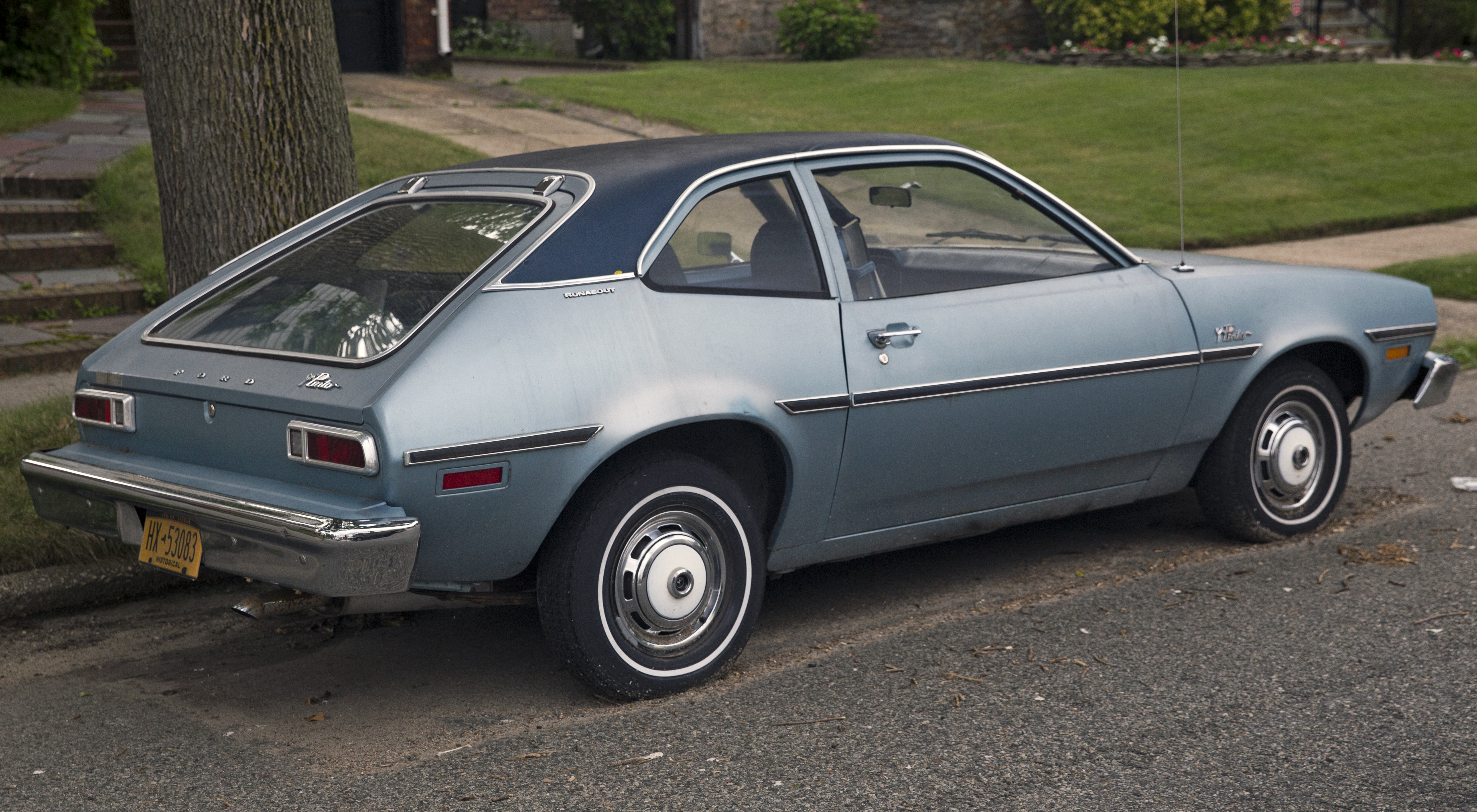 1975_Ford_Pinto_Runabout_2.8V6%2C_rear_r