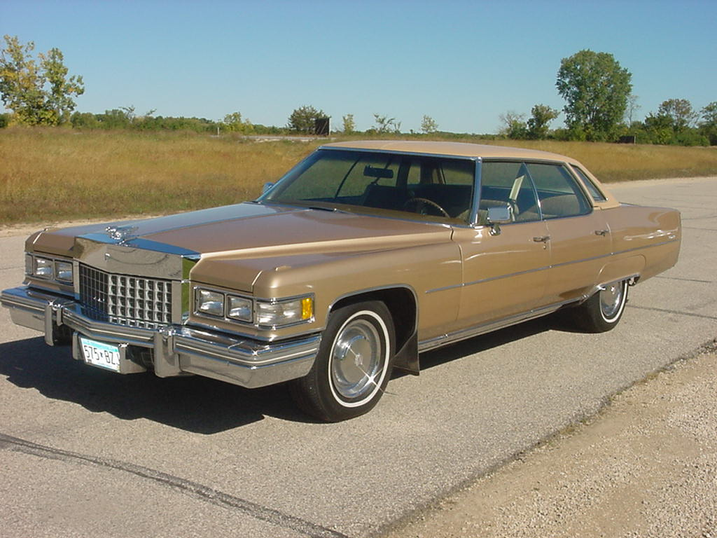 File:1976 Cadillac Sedan Deville.jpg - Wikimedia Commons