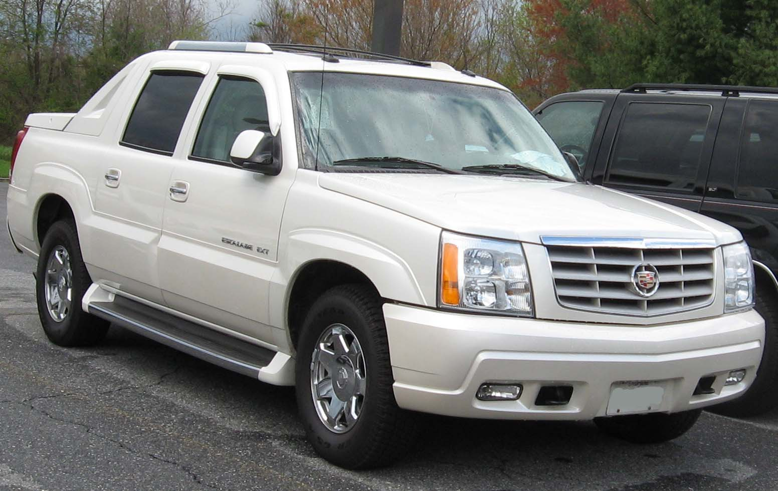 File 1st Cadillac Escalade Ext Jpg Wikimedia Commons