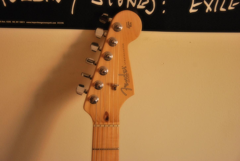 File:2009 Fender USA American Standard Stratocaster (5848500362).jpg ...