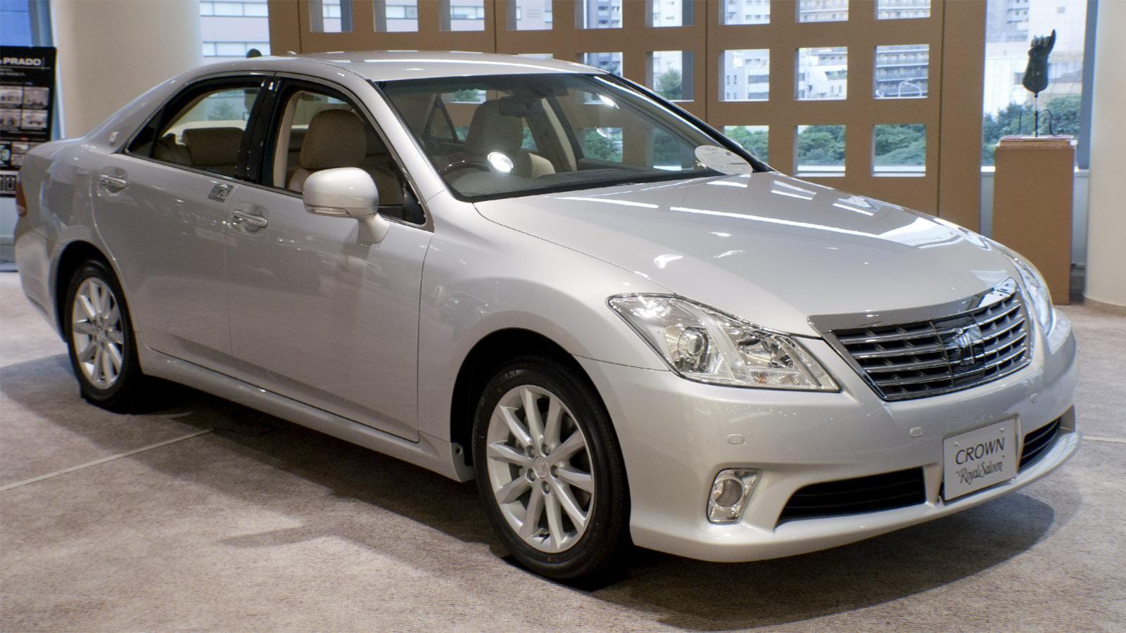 2003 Toyota Crown Royal 3.0 4WD Datenblatt - Technische ...