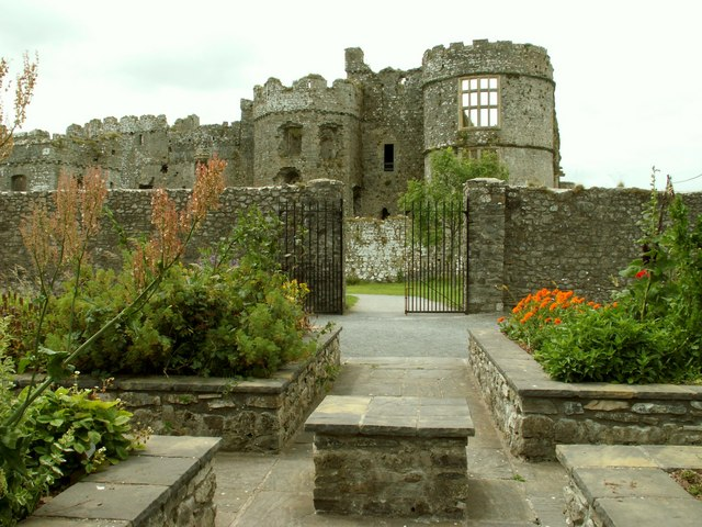 A view of Carew Castle from the herb garden - geograph.org.uk - 1057114