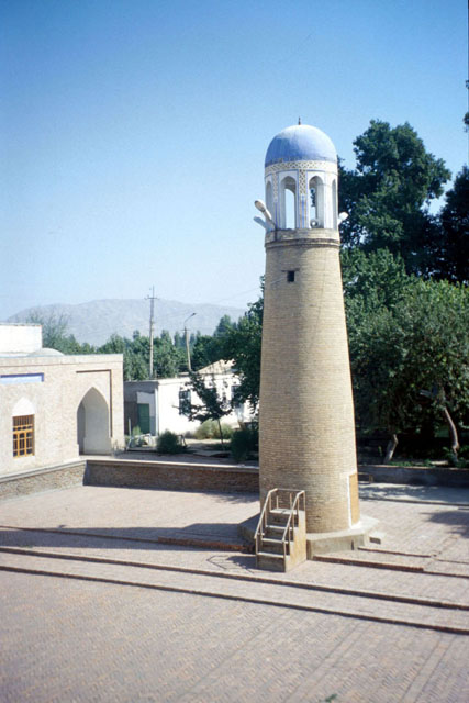 Abdullokhon Mosque Isfara.jpg