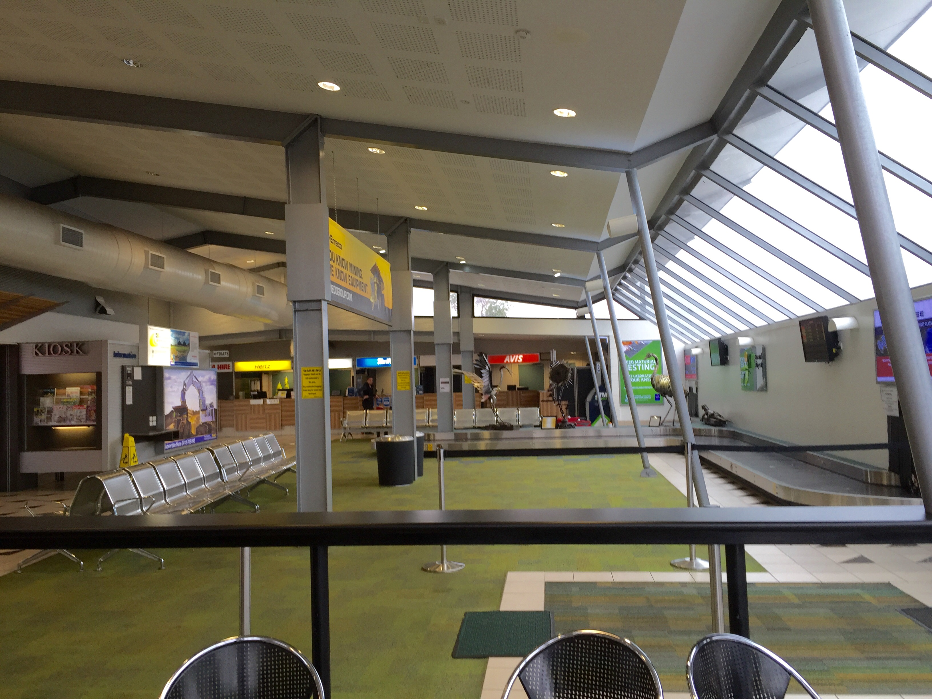 File:Arrival hall of Emerald Airport, Queensland 02 jpg