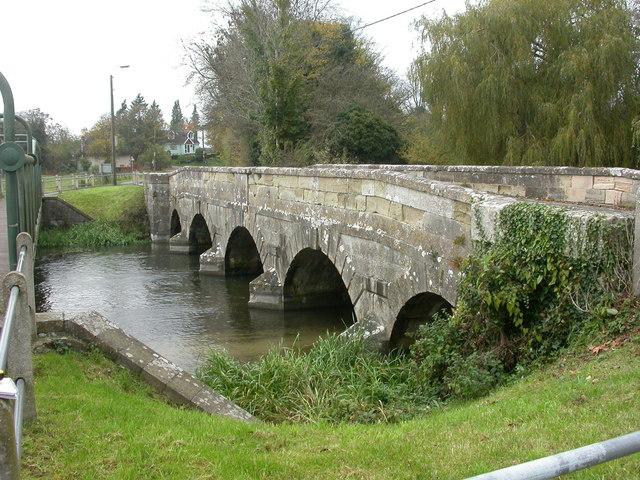 Avon bridge, Amesbury - geograph.org.uk - 1036115