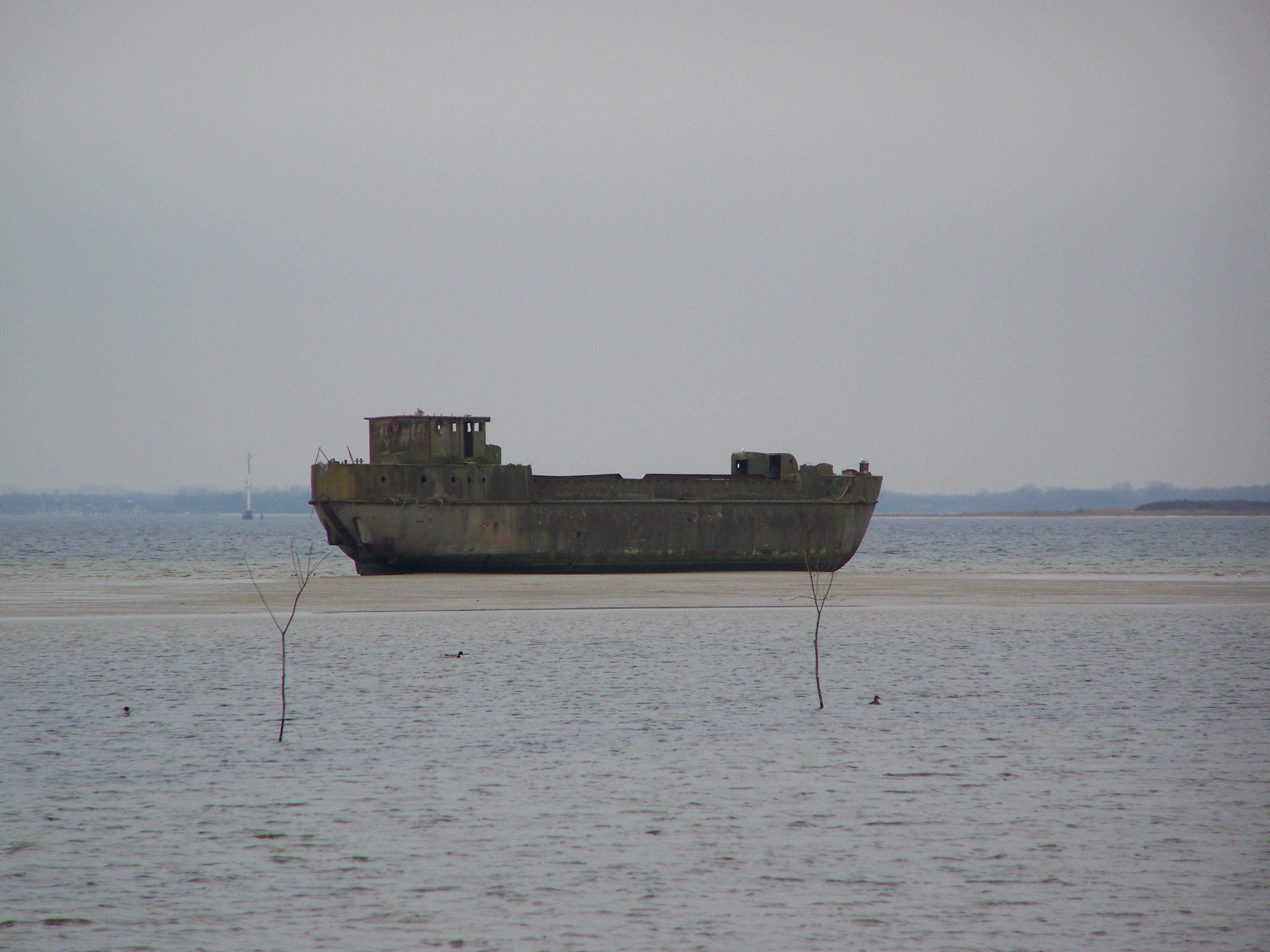 Betonschiff-Concrete-Ship Redentin.JPG