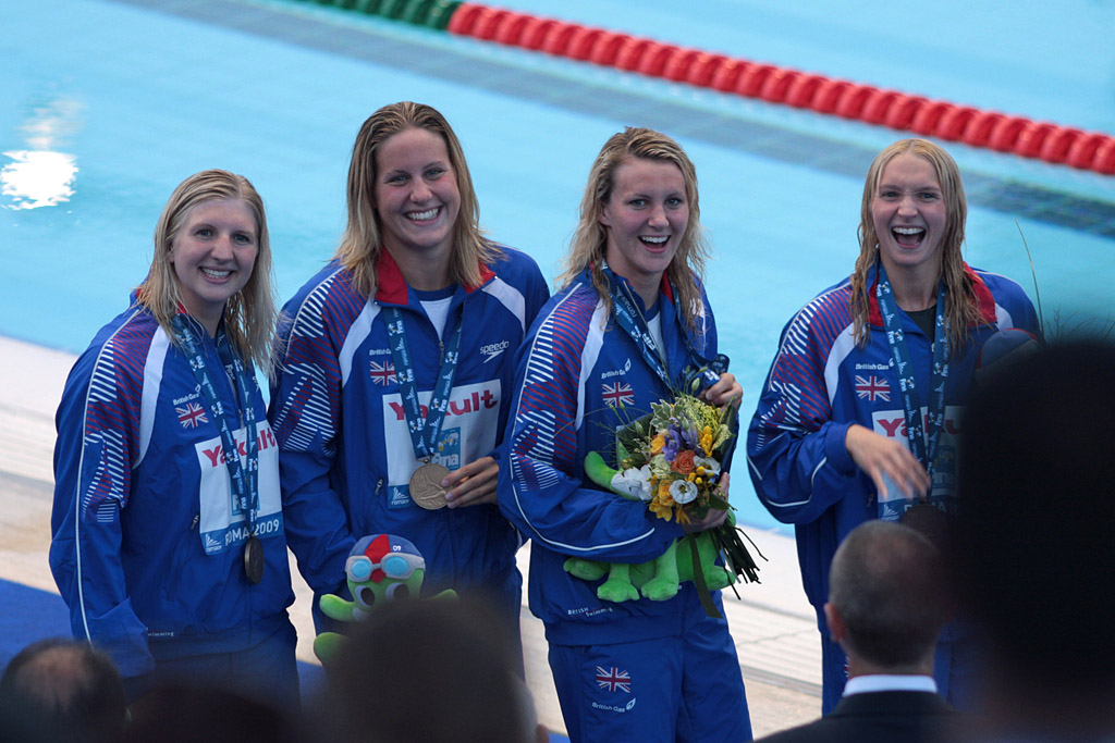 File:British team - Women's 4x200m free - Roma09.jpg