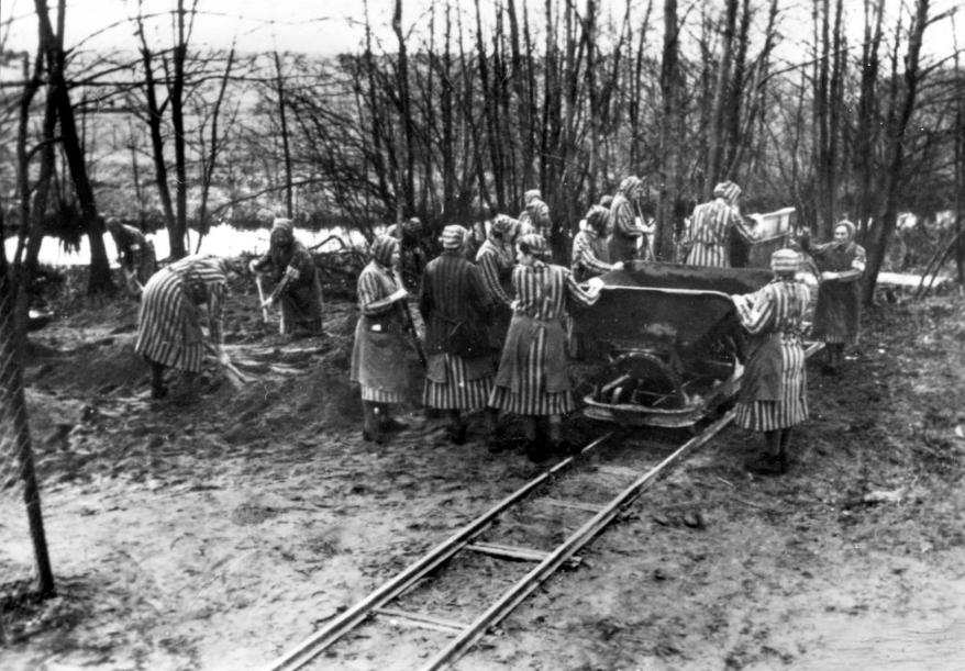 Bundesarchiv Bild 183-1985-0417-15, Ravensbrück, Konzentrationslager