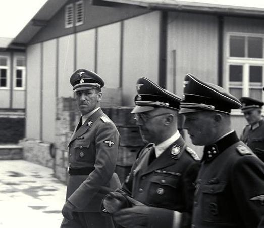 Fil:Bundesarchiv Bild 192-029, KZ Mauthausen, Himmler ...